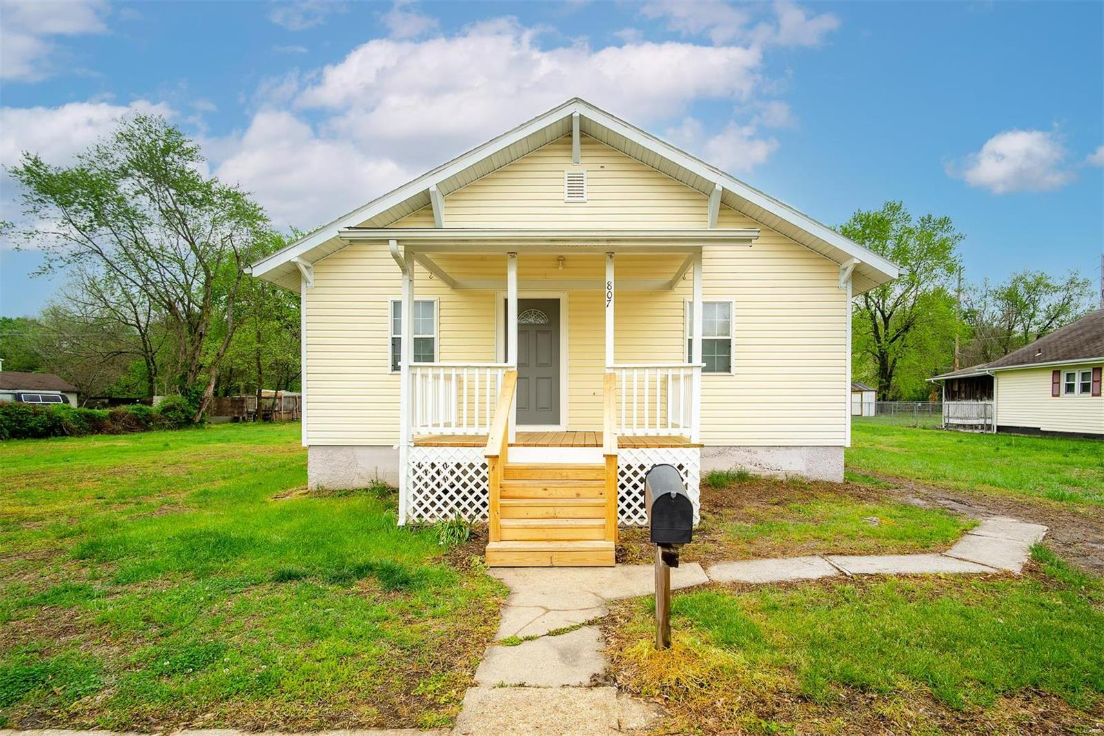 807 Dewitt Street Property Photo - De Soto, MO real estate listing