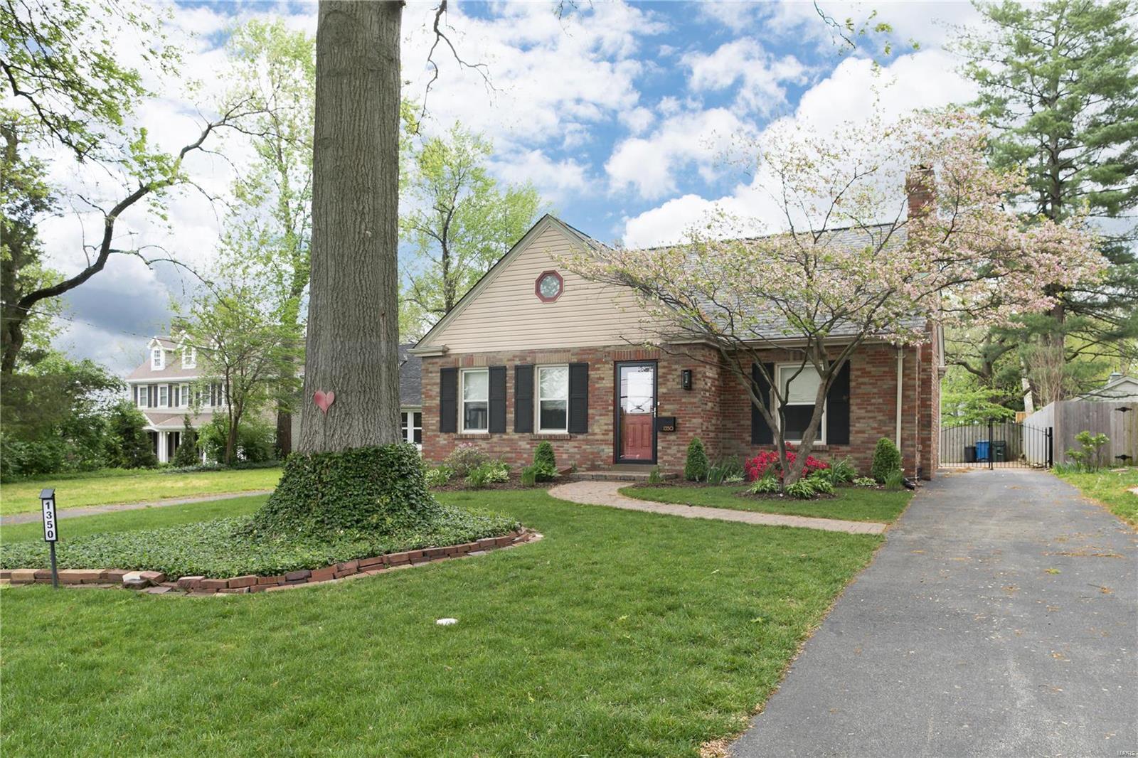 1350 N Sappington Road Property Photo - Glendale, MO real estate listing