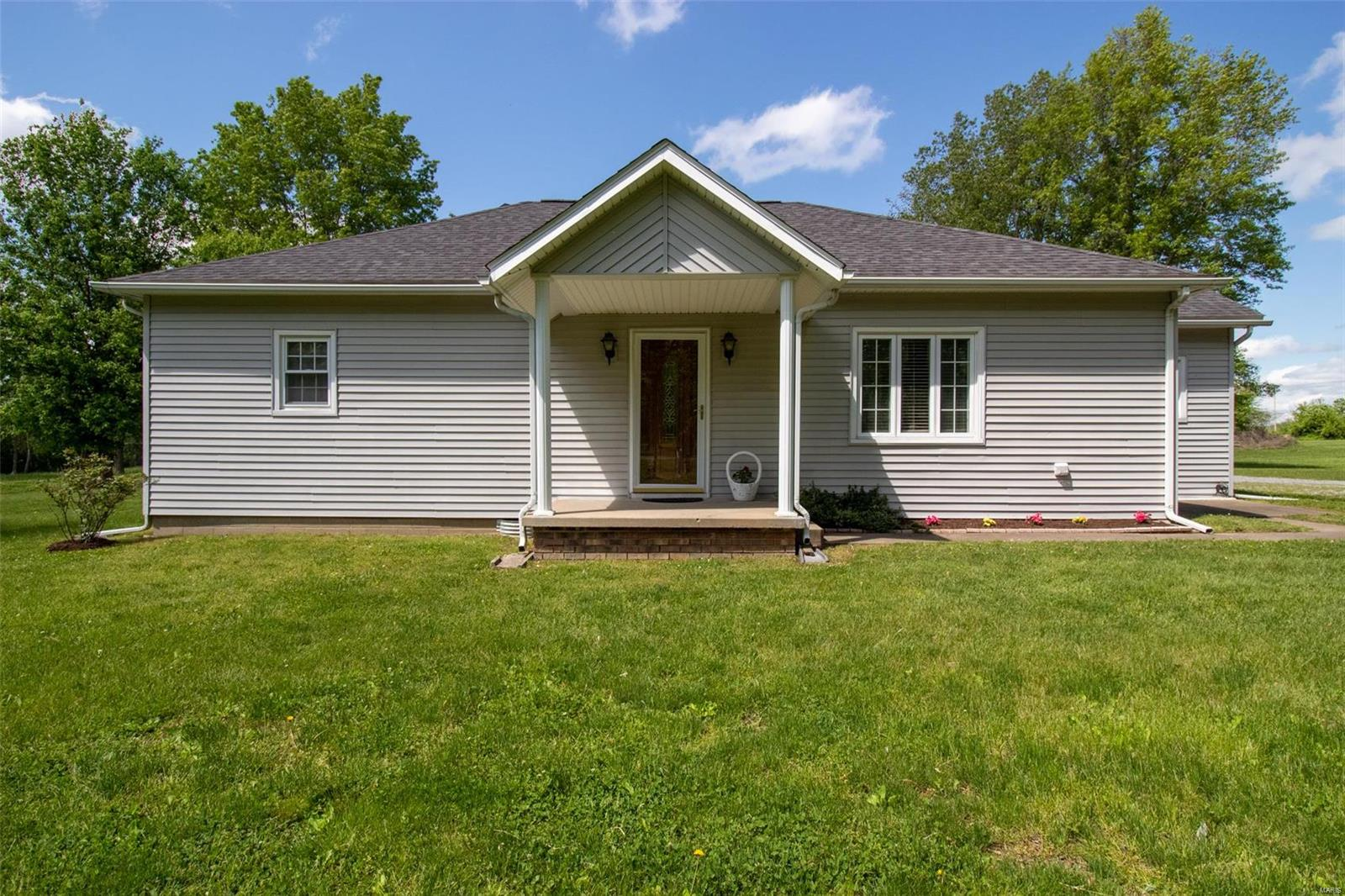 10063 Prairie Meadows Lane Property Photo - West Frankfort, IL real estate listing