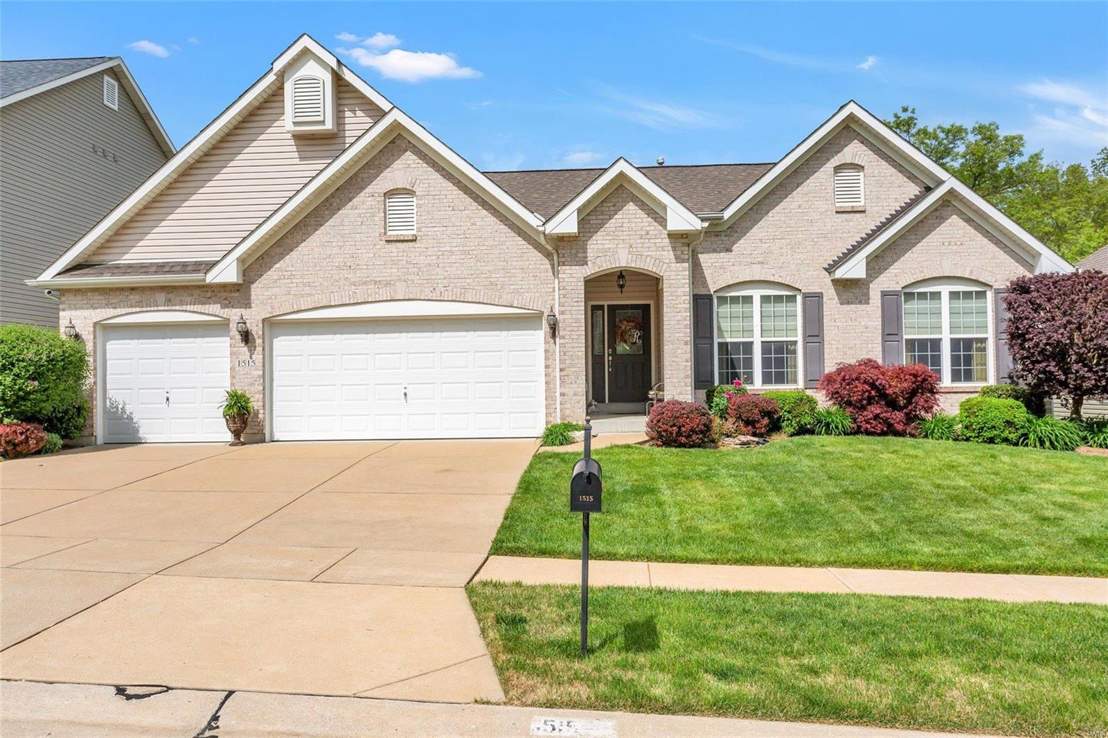 1515 Heritage Valley Drive Property Photo - High Ridge, MO real estate listing