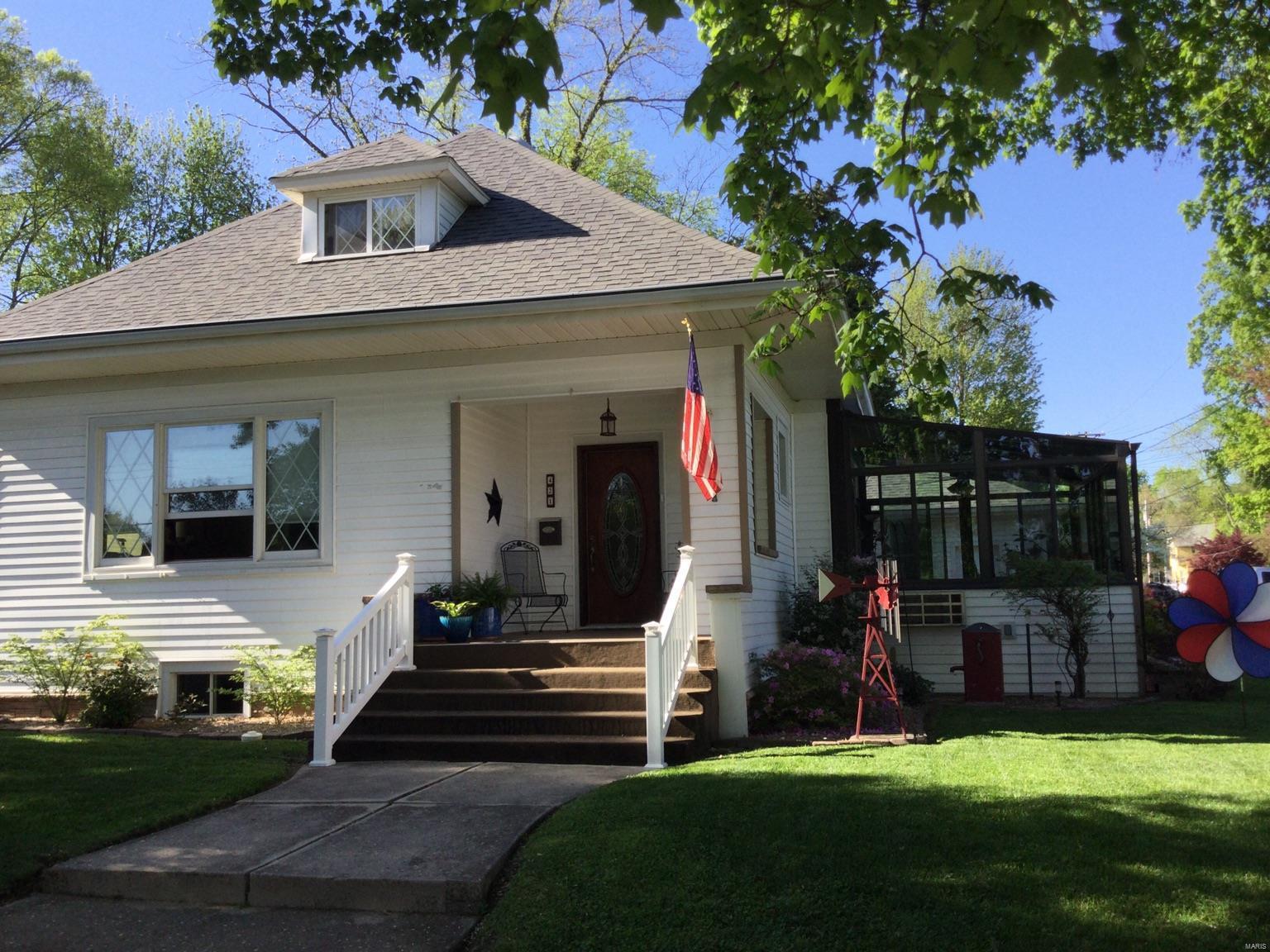 421 E Main Street Property Photo - Greenville, IL real estate listing