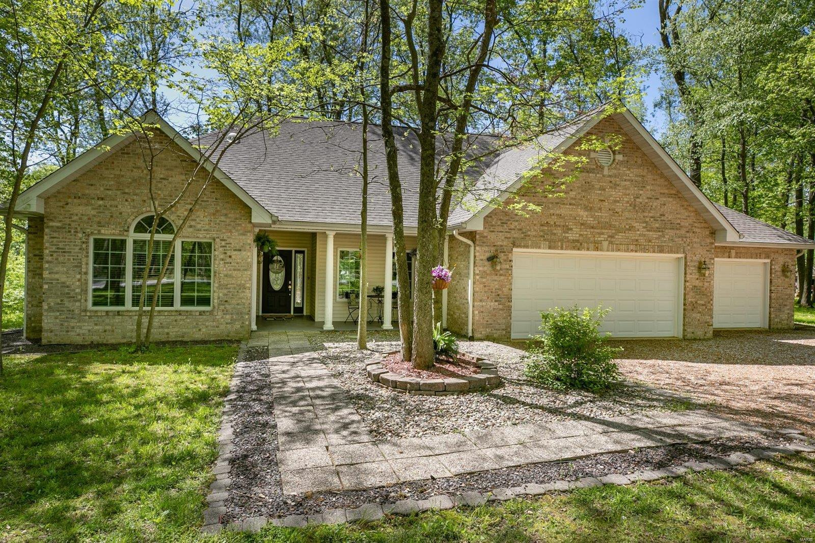 12 Hickory Drive Property Photo - Highland, IL real estate listing