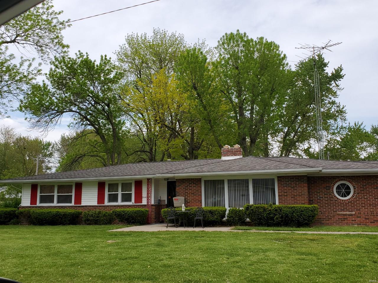 701 E Walsh Boulevard Property Photo - Vandalia, MO real estate listing