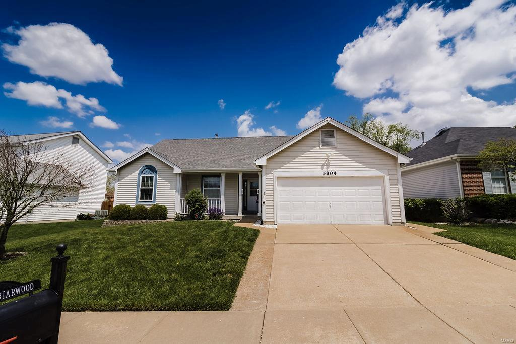 5804 Briarwood Terrace Ct Property Photo - Oakville, MO real estate listing