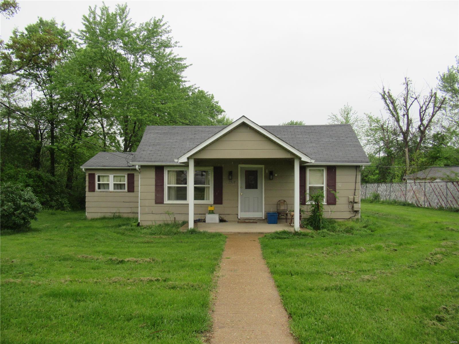 1511 Elmont Road Property Photo