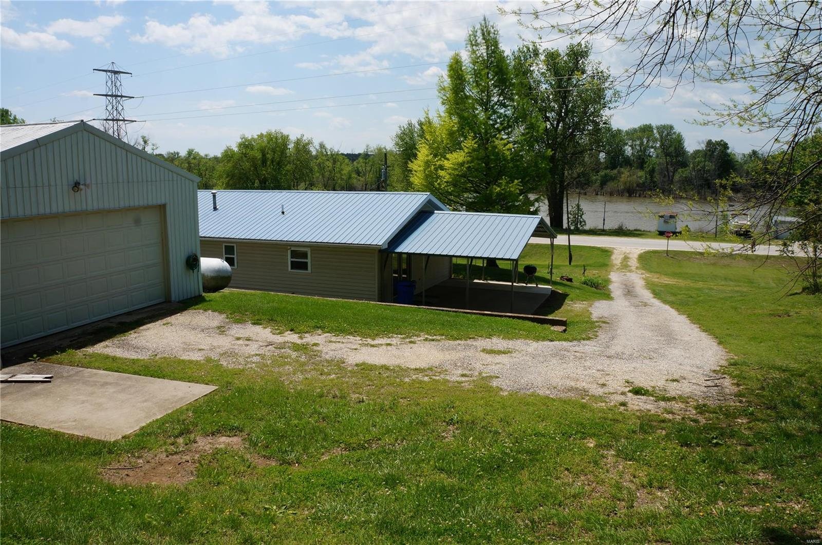 7856 State HWY 96 Property Photo - Mozier, IL real estate listing