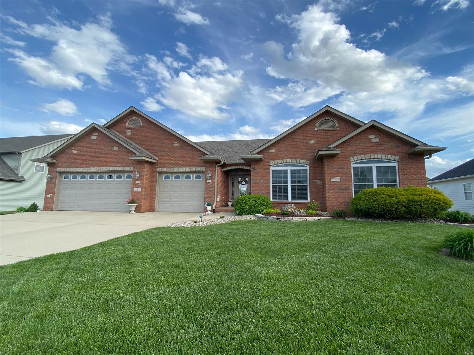 120 Stonebridge Crossing Drive Property Photo - Maryville, IL real estate listing