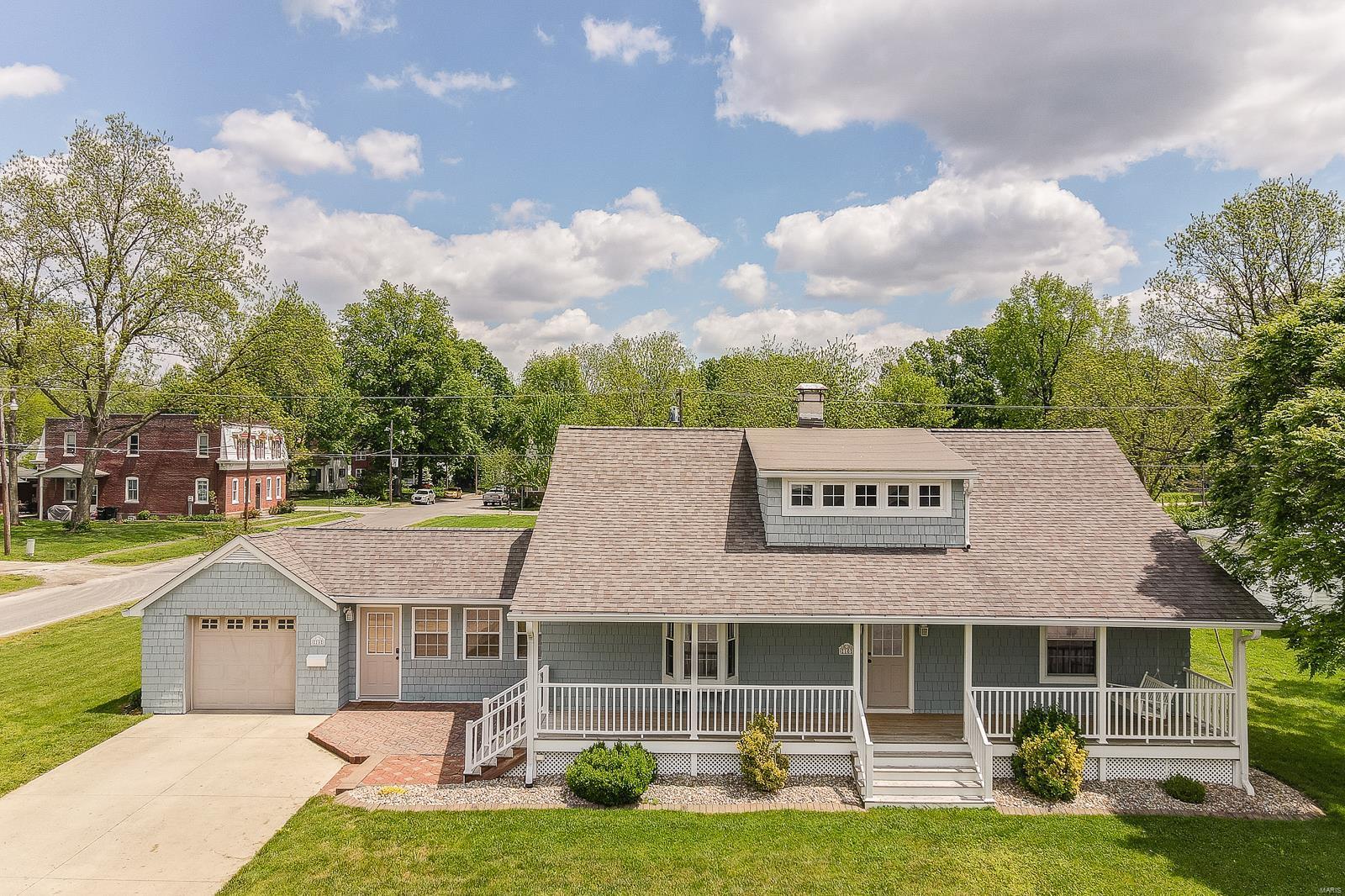 10 N Edison Street Property Photo - Freeburg, IL real estate listing