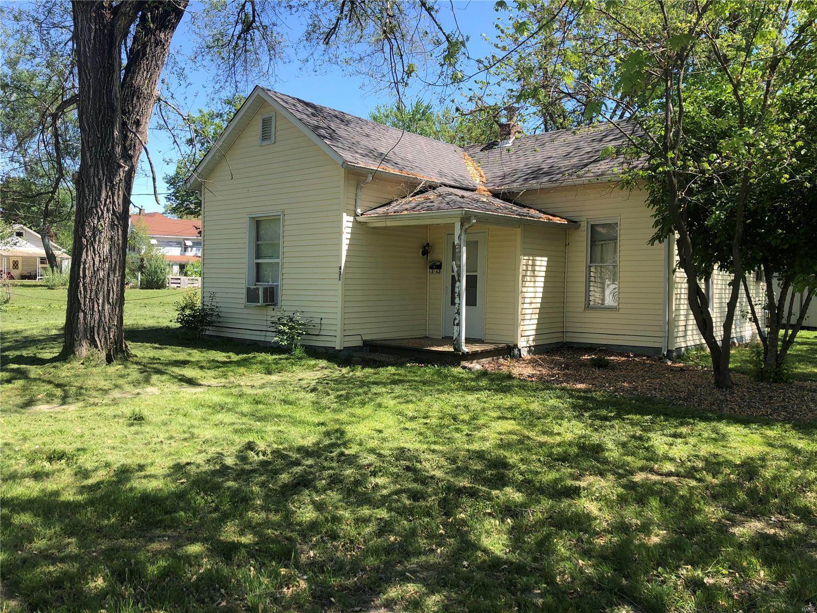 431 Court Street Property Photo - Monroe City, MO real estate listing