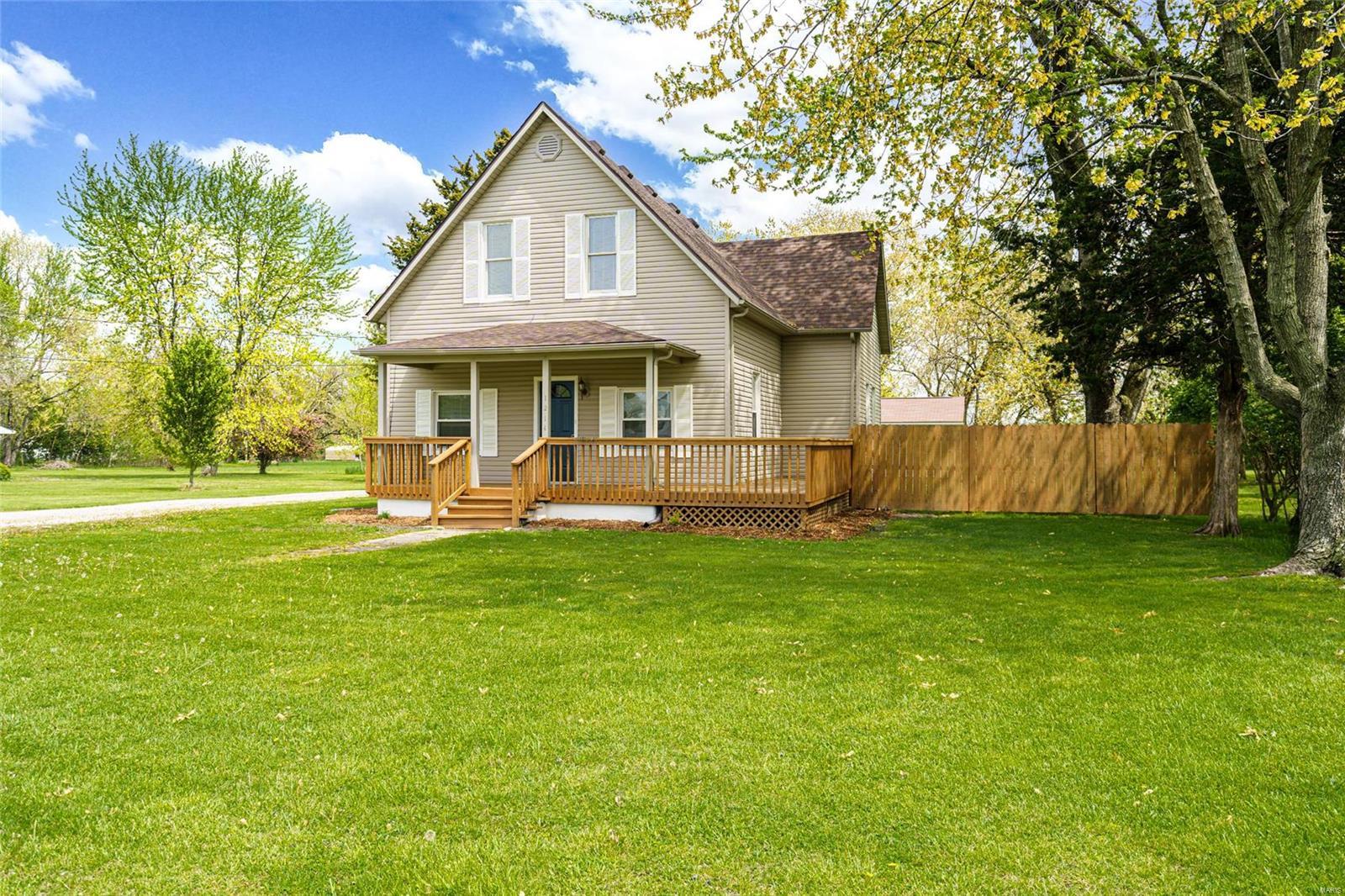 1214 S Van Buren Street Property Photo - Litchfield, IL real estate listing