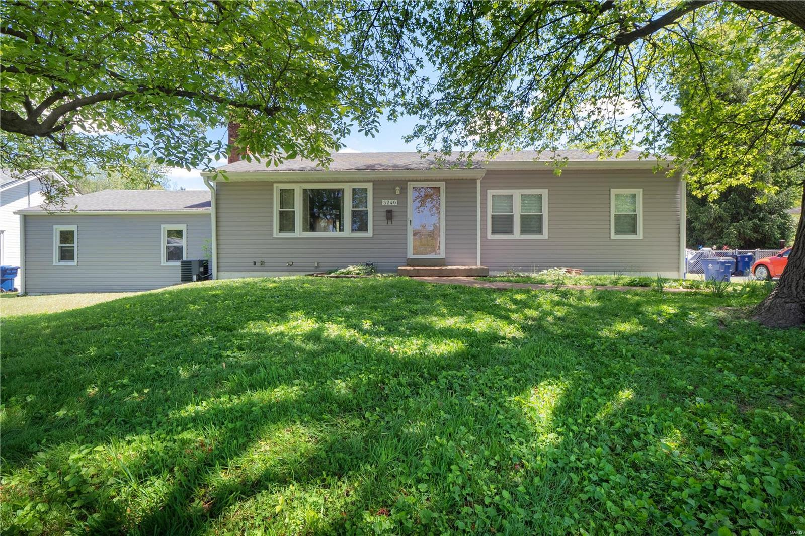 3240 Sims Avenue Property Photo - St Ann, MO real estate listing