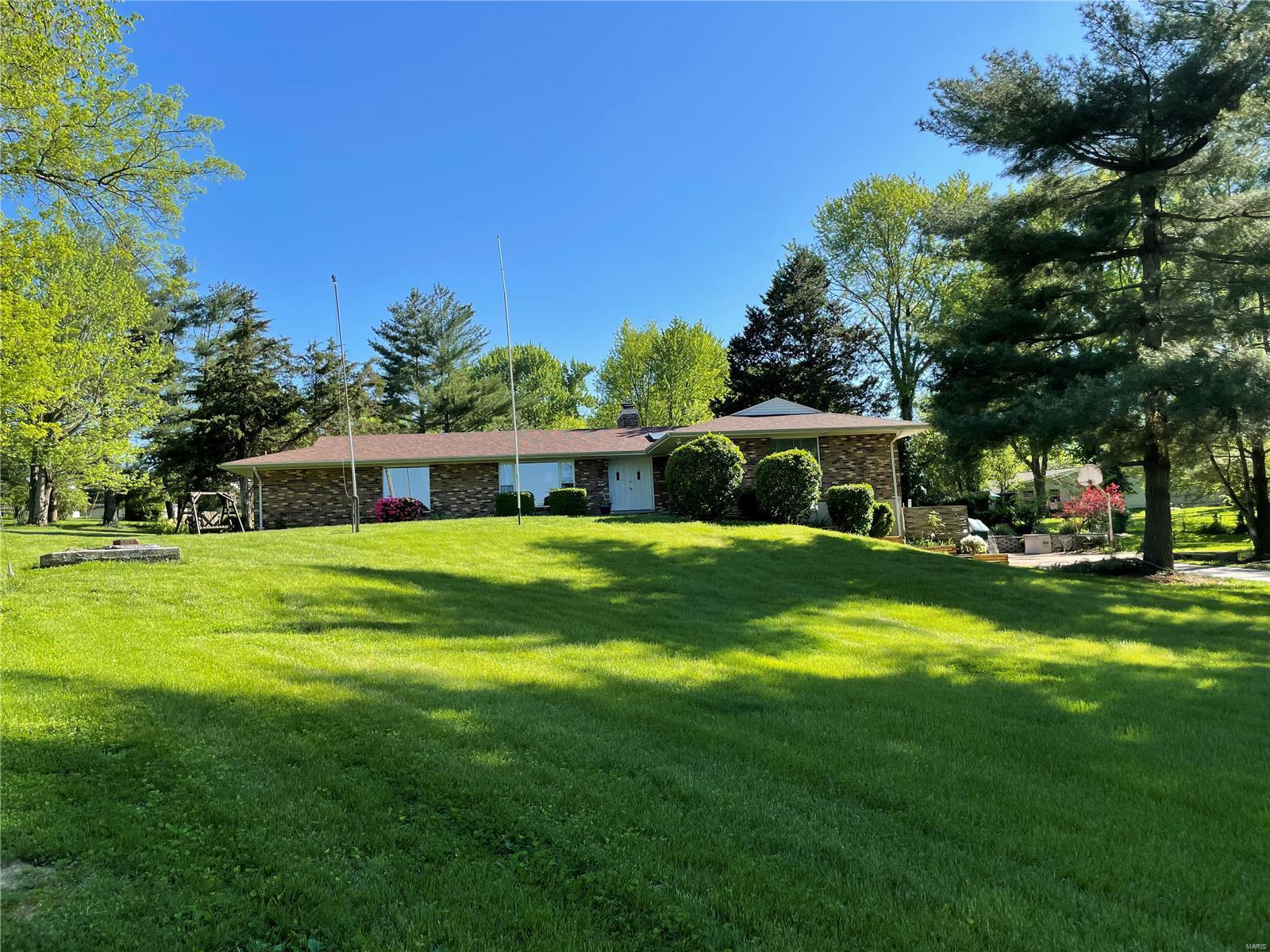 1651 Missouri State Property Photo - Arnold, MO real estate listing