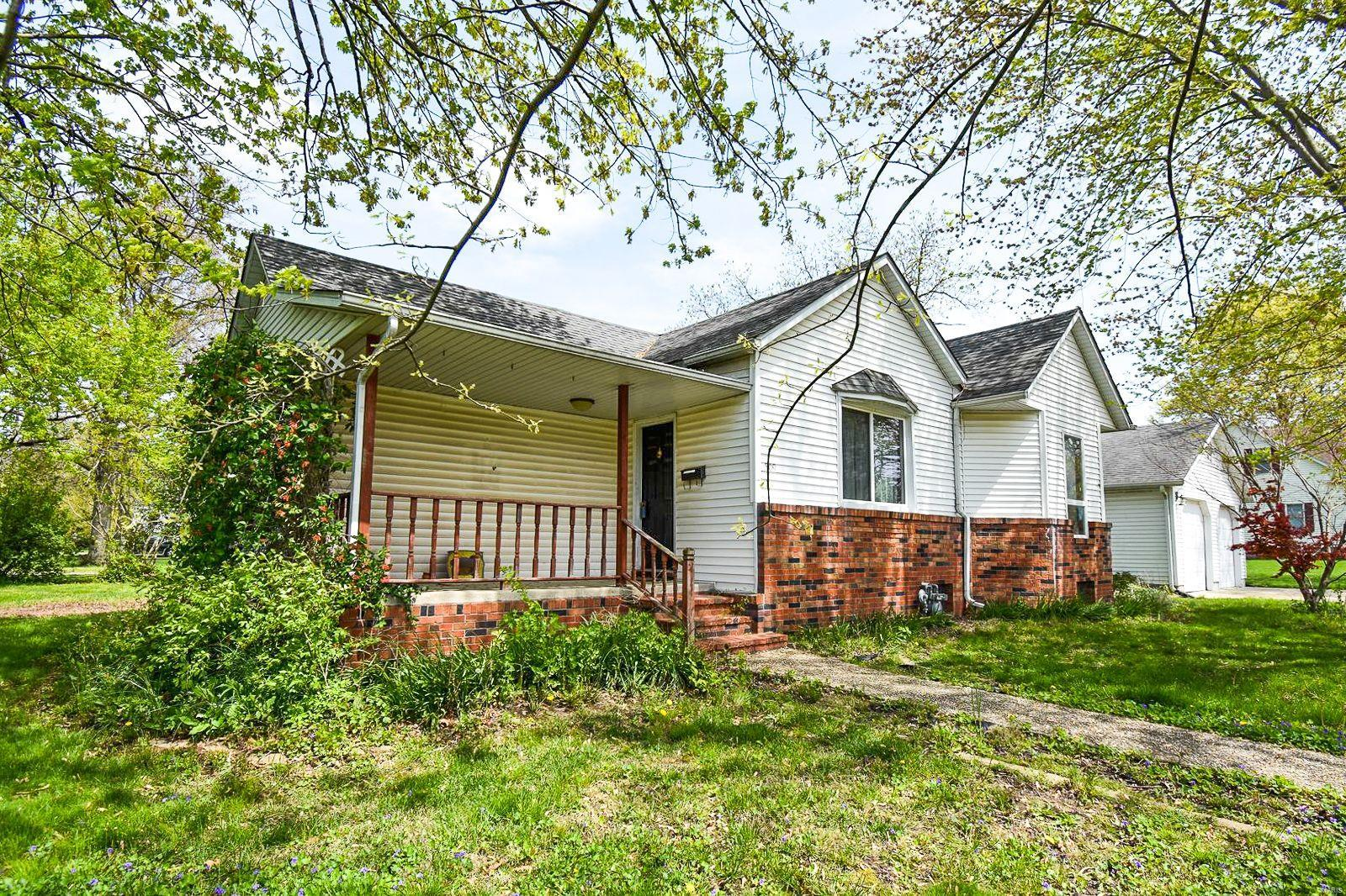 509 W 1st Street S Property Photo - Mount Olive, IL real estate listing