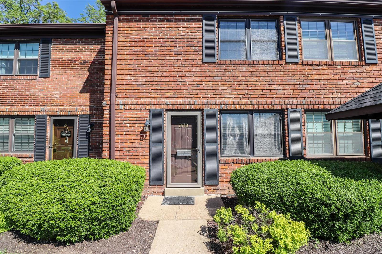 7910 Royal Arms Court Property Photo - Crestwood, MO real estate listing