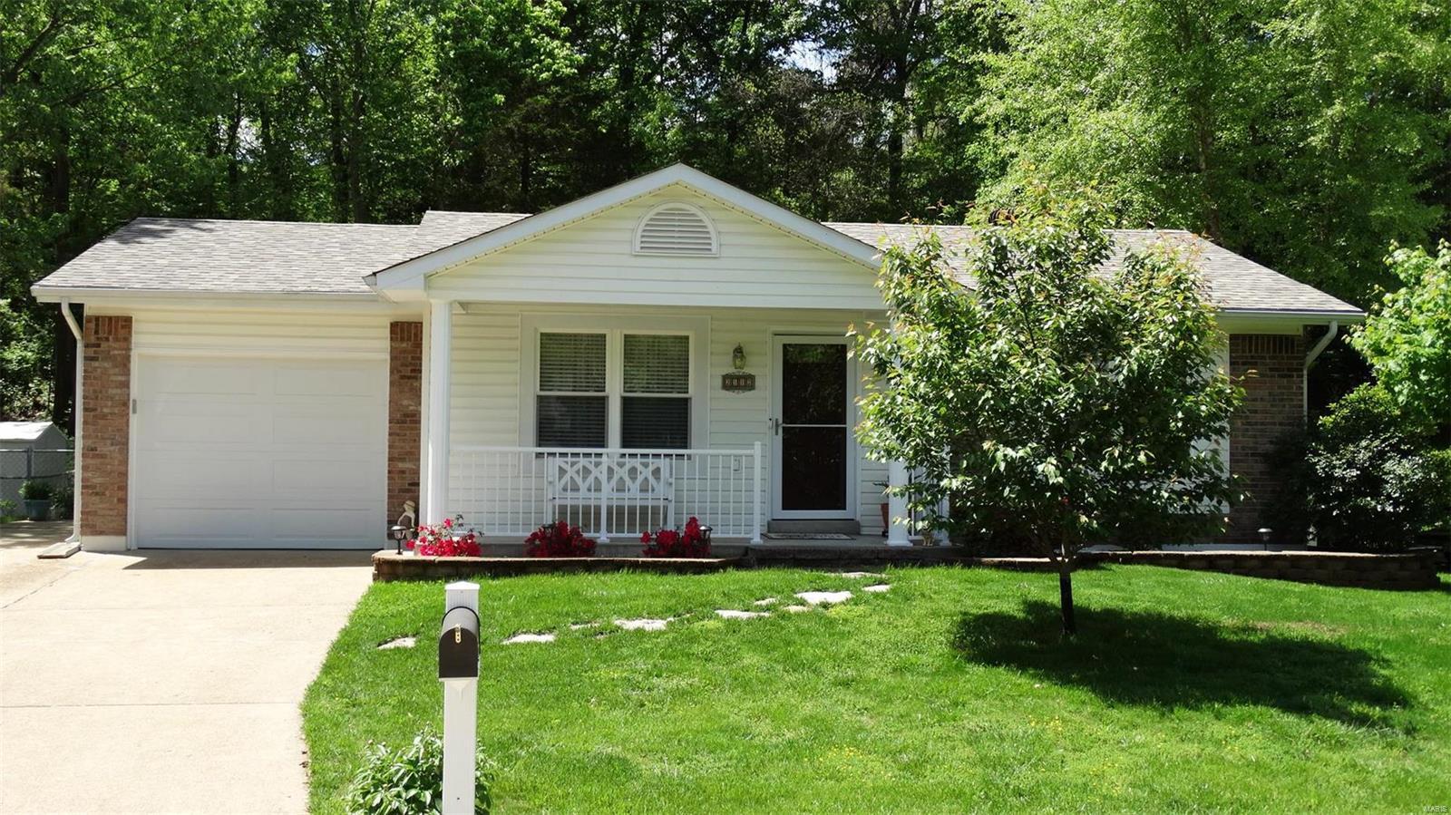 2112 Glenwood Drive Property Photo - Arnold, MO real estate listing