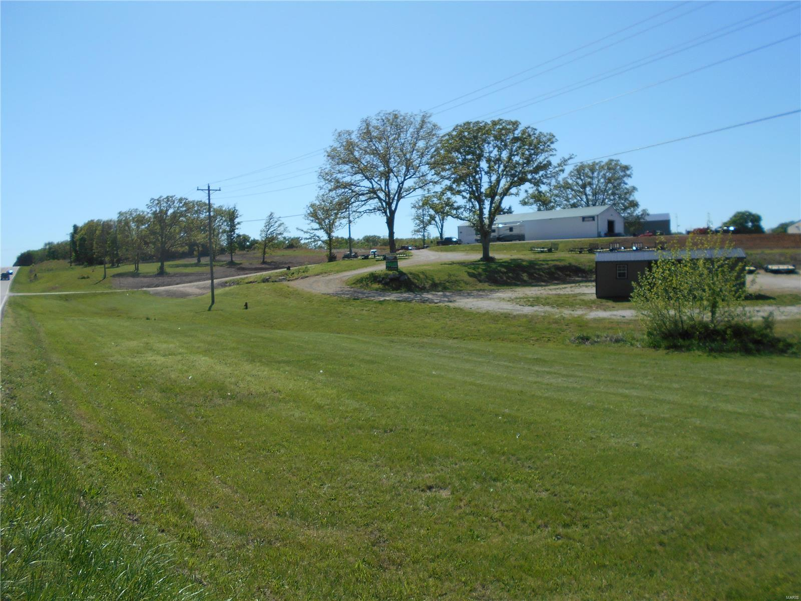 8953 N Service Rd Property Photo - Bourbon, MO real estate listing