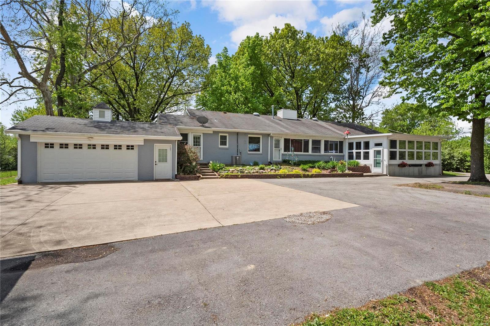 4175 Parker Road Property Photo - Florissant, MO real estate listing