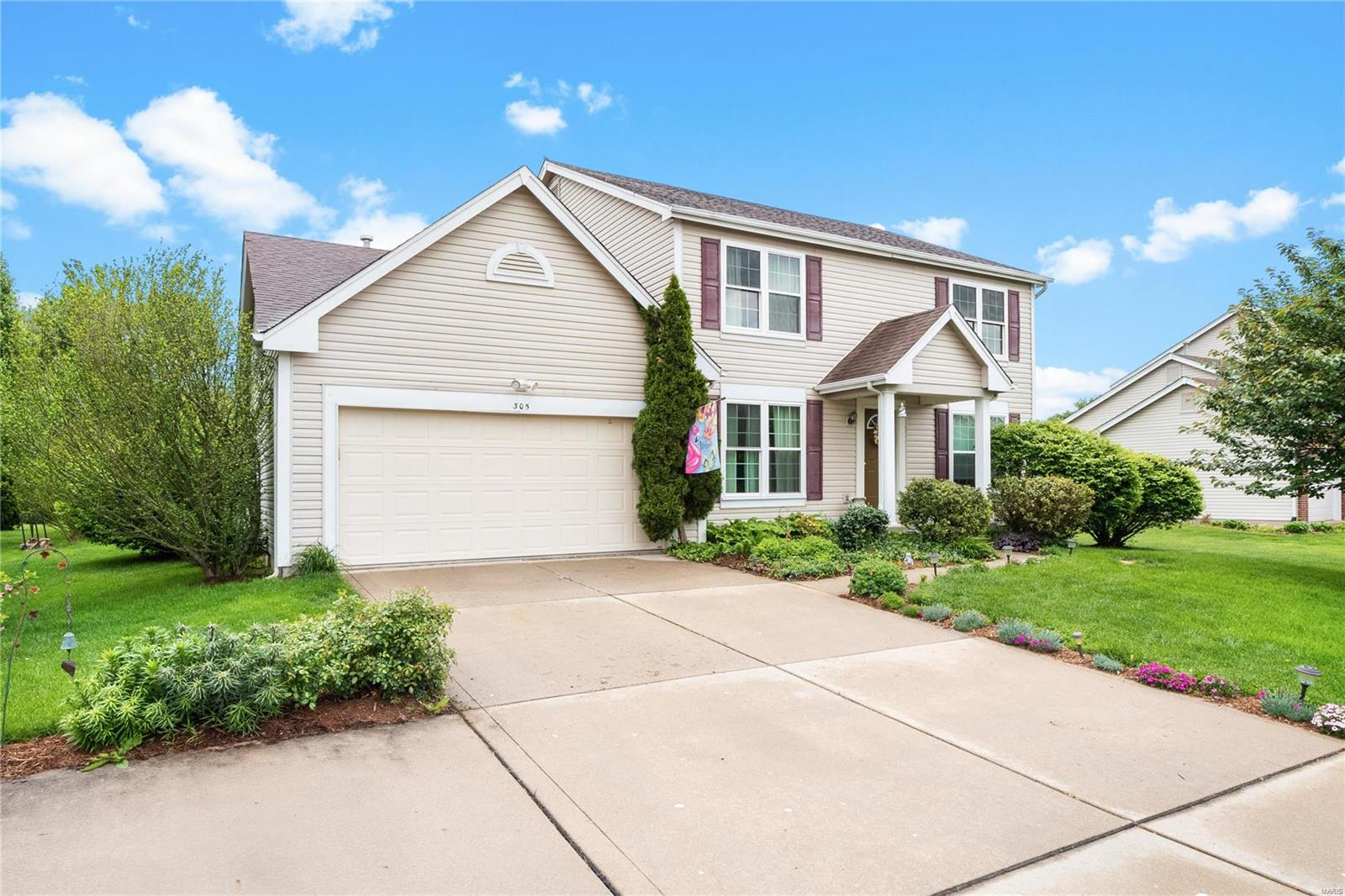 305 Crystal Lane Property Photo - Fairview Heights, IL real estate listing