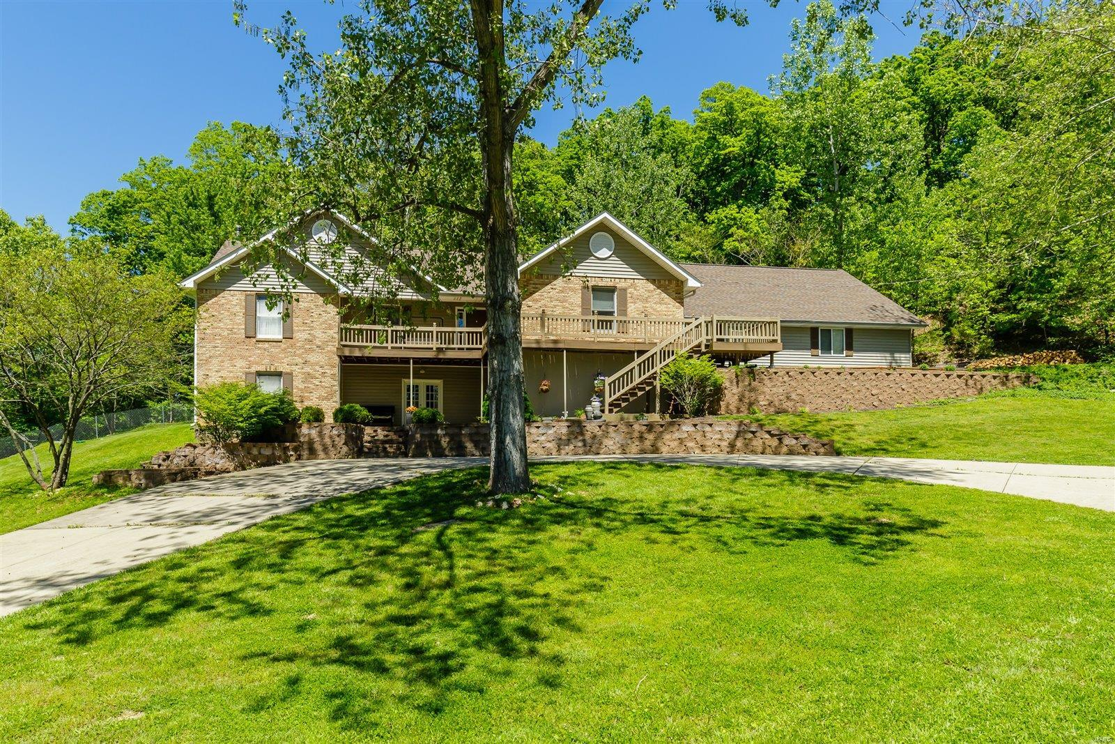 2571 Ridgeview Drive Property Photo - High Ridge, MO real estate listing