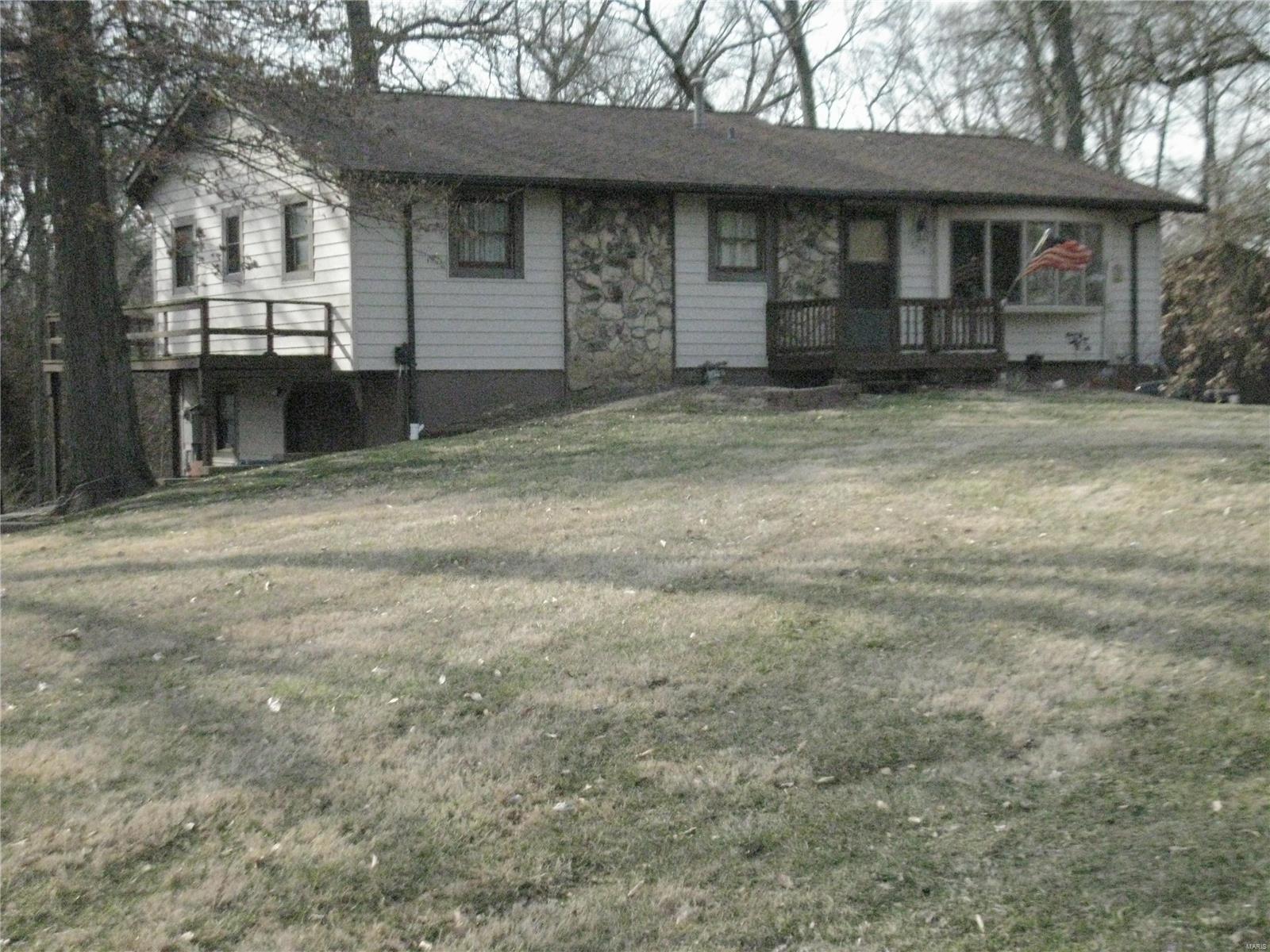 1716 Fountainbleu Property Photo - Worden, IL real estate listing