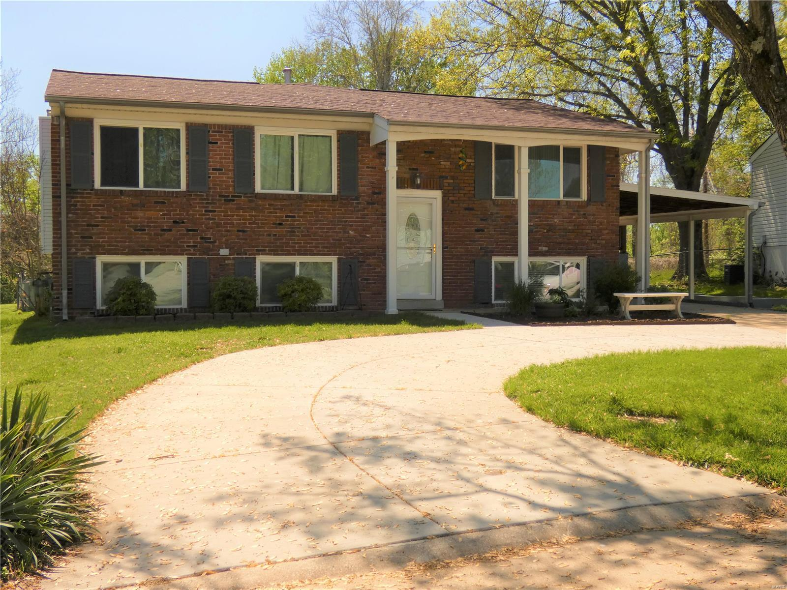 11952 Gay Glen Property Photo - Maryland Heights, MO real estate listing