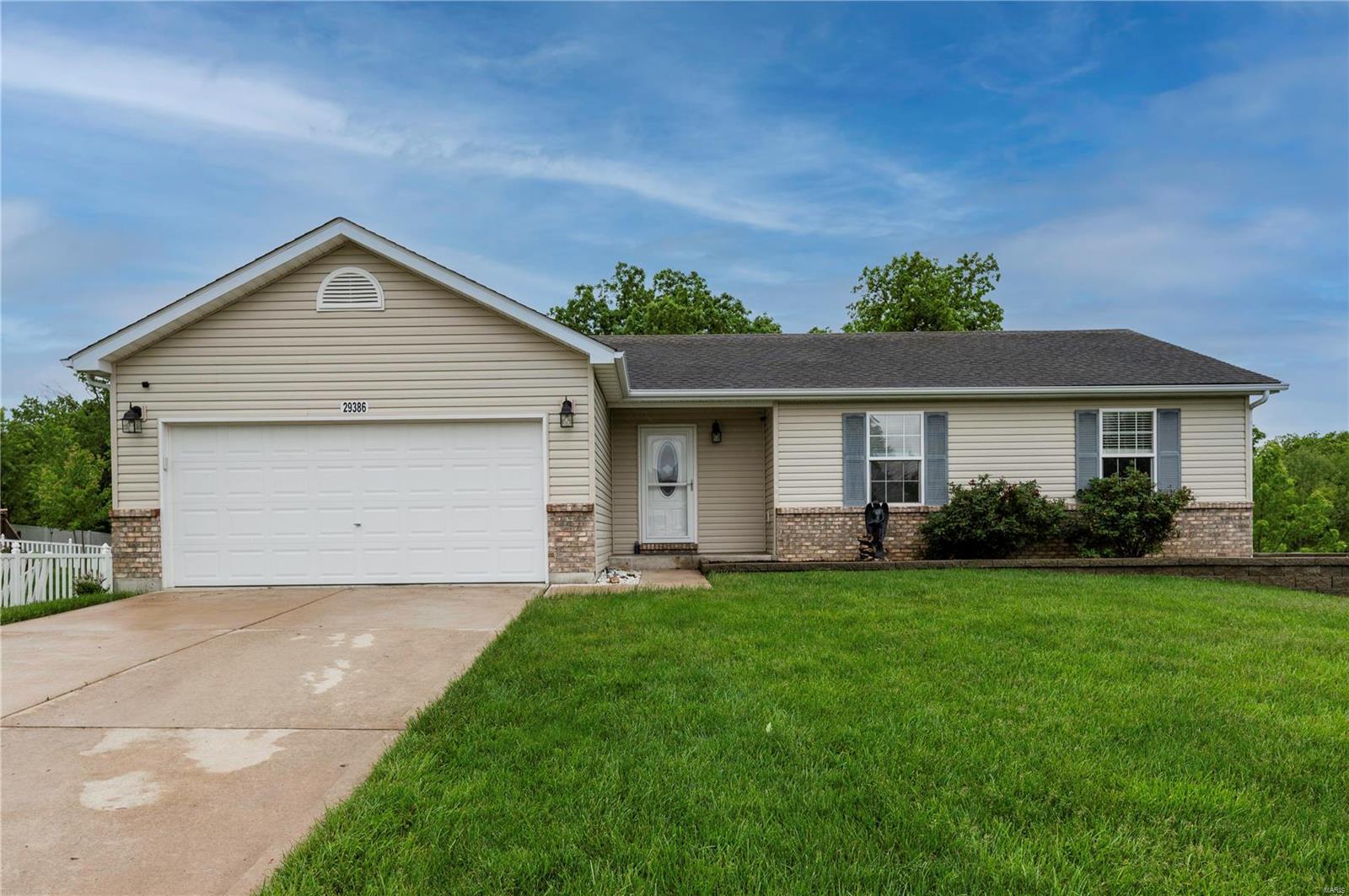 29386 Walnut Lake Court Property Photo - Wright City, MO real estate listing