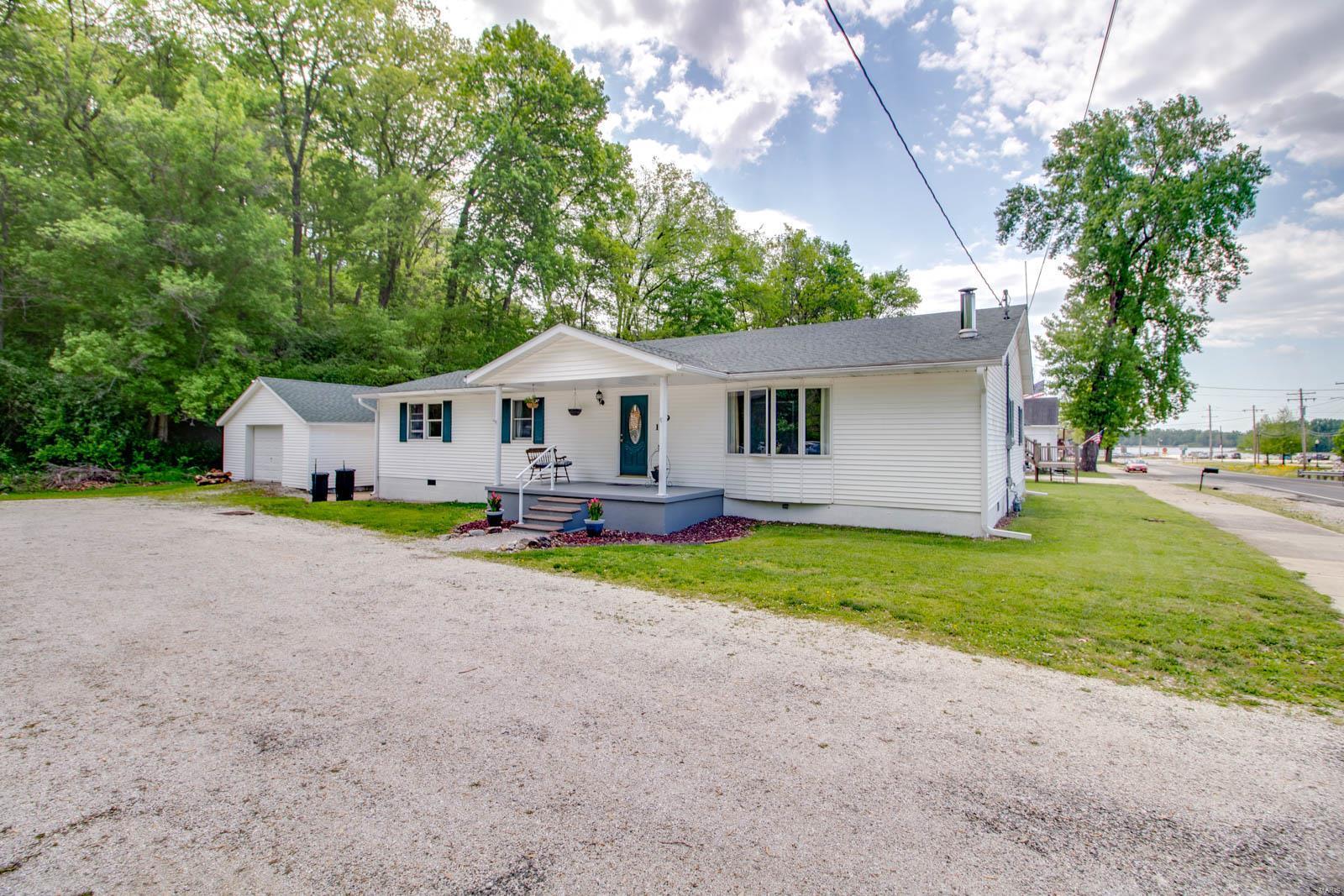 119 N Market Street Property Photo - Grafton, IL real estate listing
