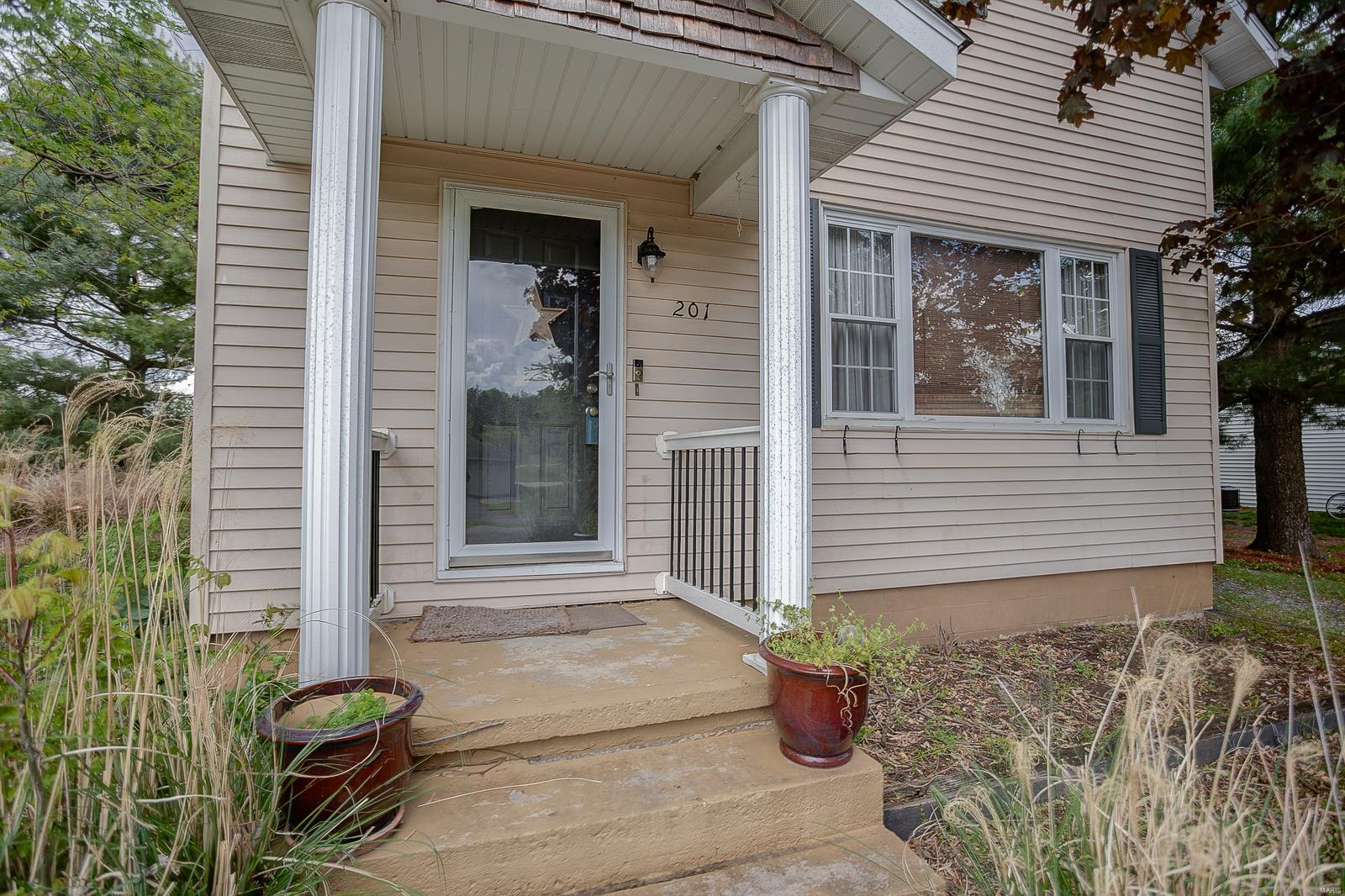 201 W North st Property Photo - Alhambra, IL real estate listing