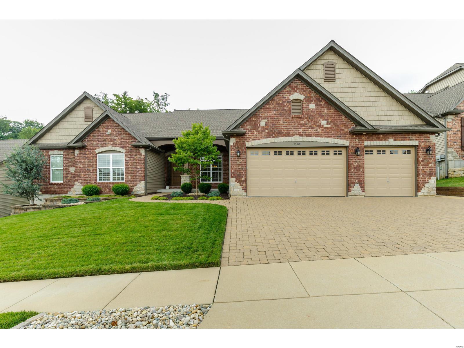 1090 Bridleridge Crossing Spur Property Photo - High Ridge, MO real estate listing