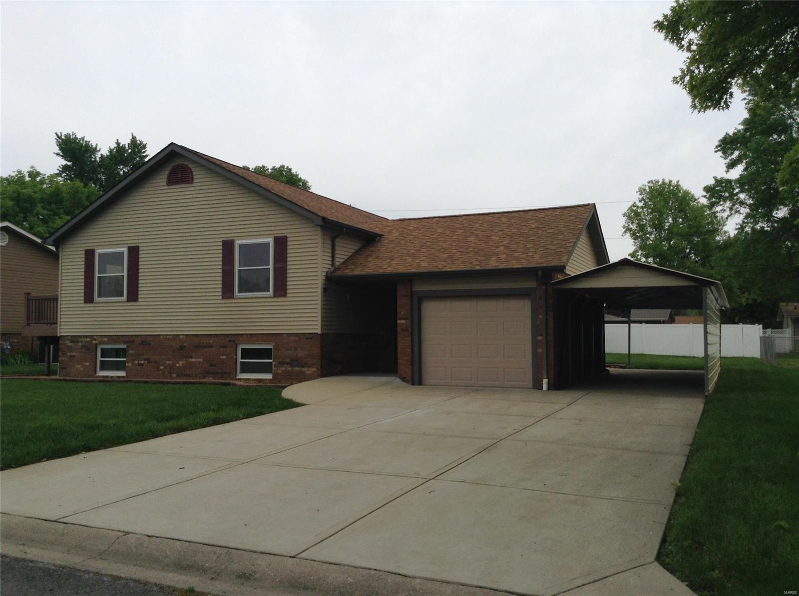 630 Marian Drive Property Photo - Dupo, IL real estate listing