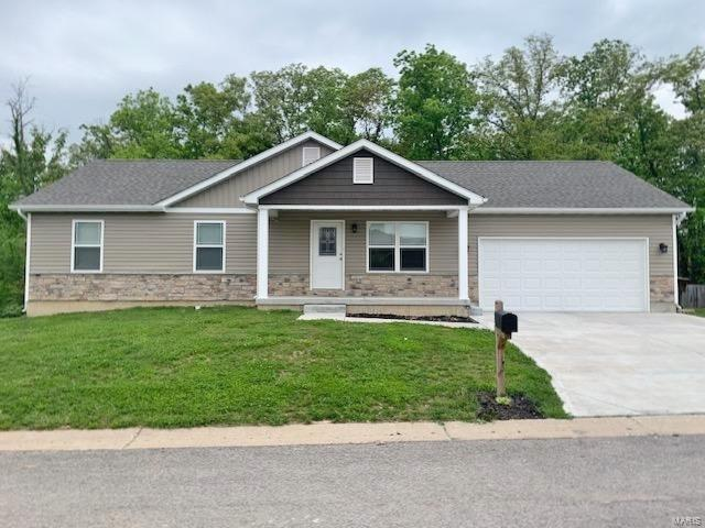 130 Village Circle Drive Property Photo - Winfield, MO real estate listing