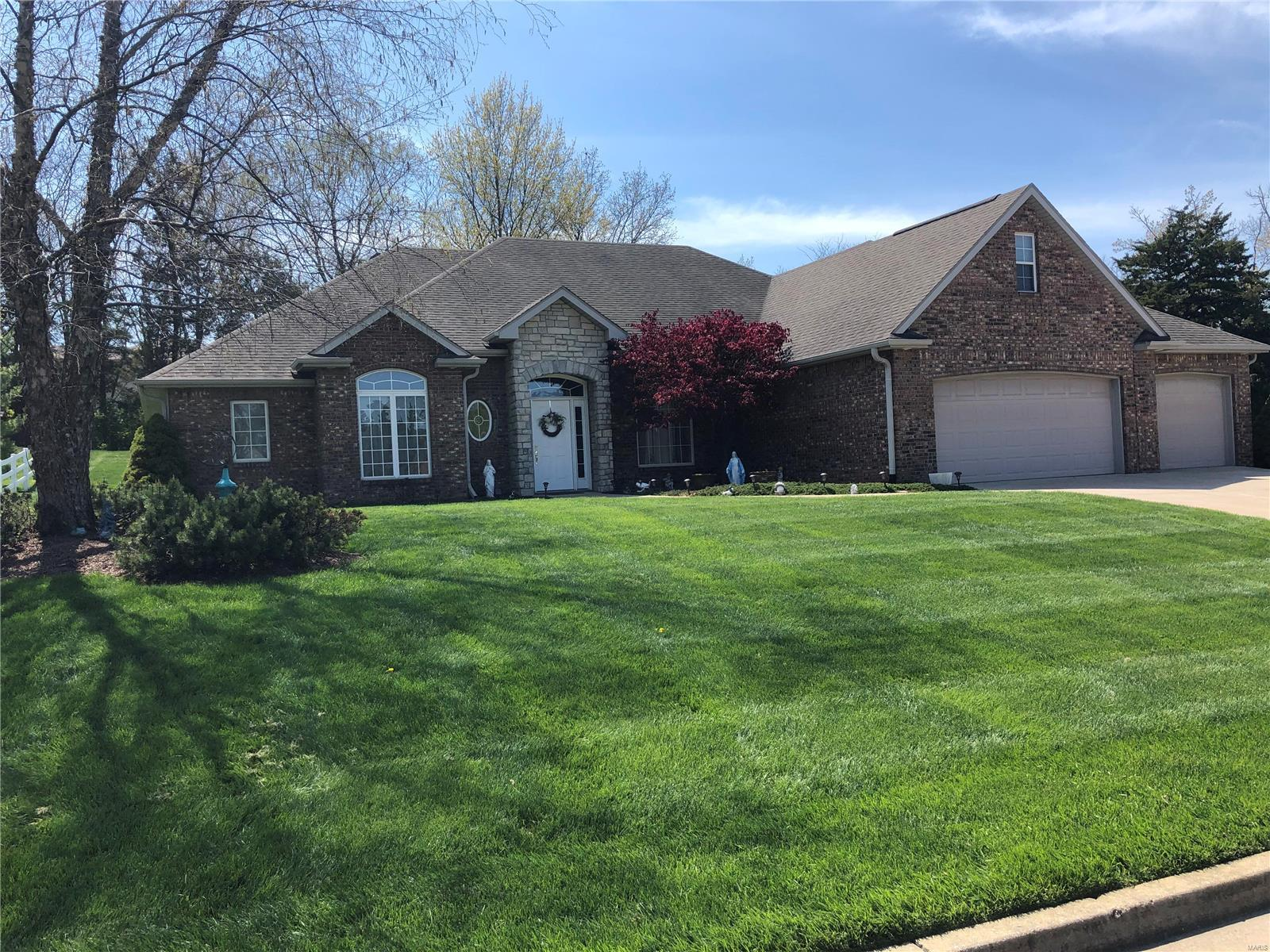5648 Waterfront Property Photo - Columbia, MO real estate listing