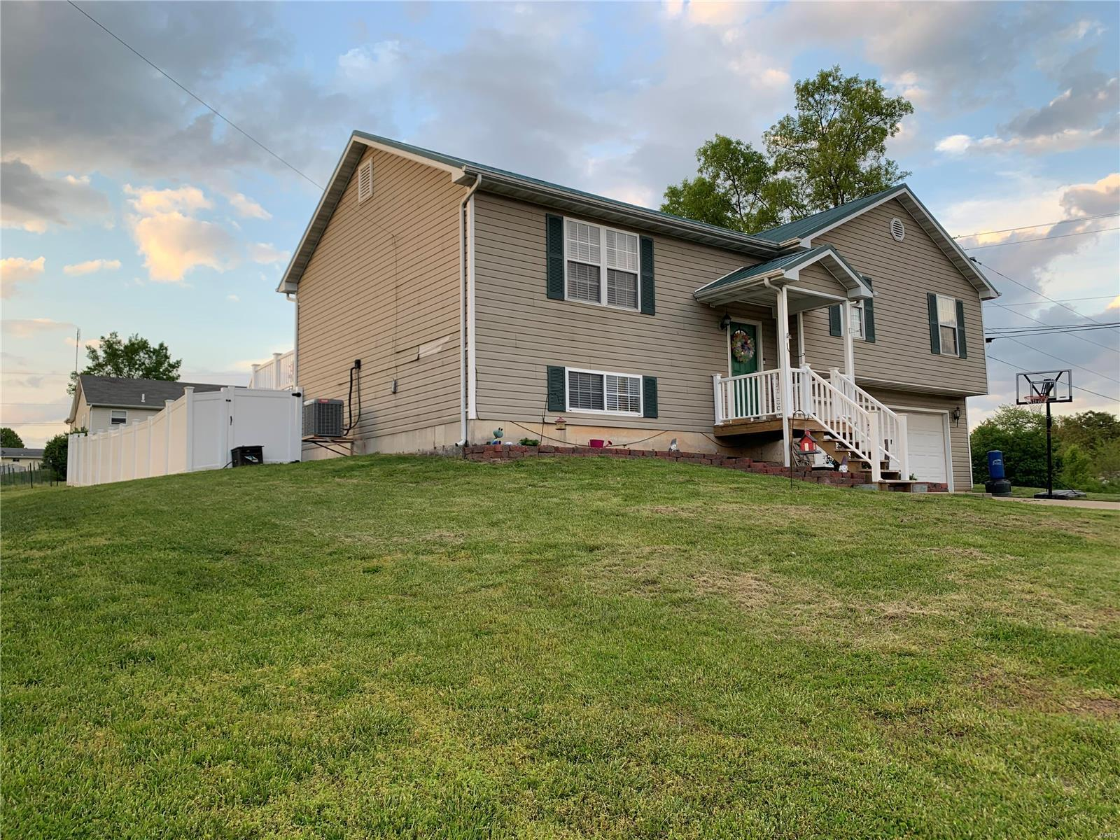 107 E CEDAR Lane Property Photo - Owensville, MO real estate listing