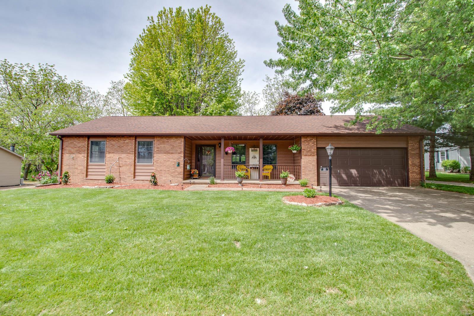 110 Springer Drive Property Photo - Godfrey, IL real estate listing