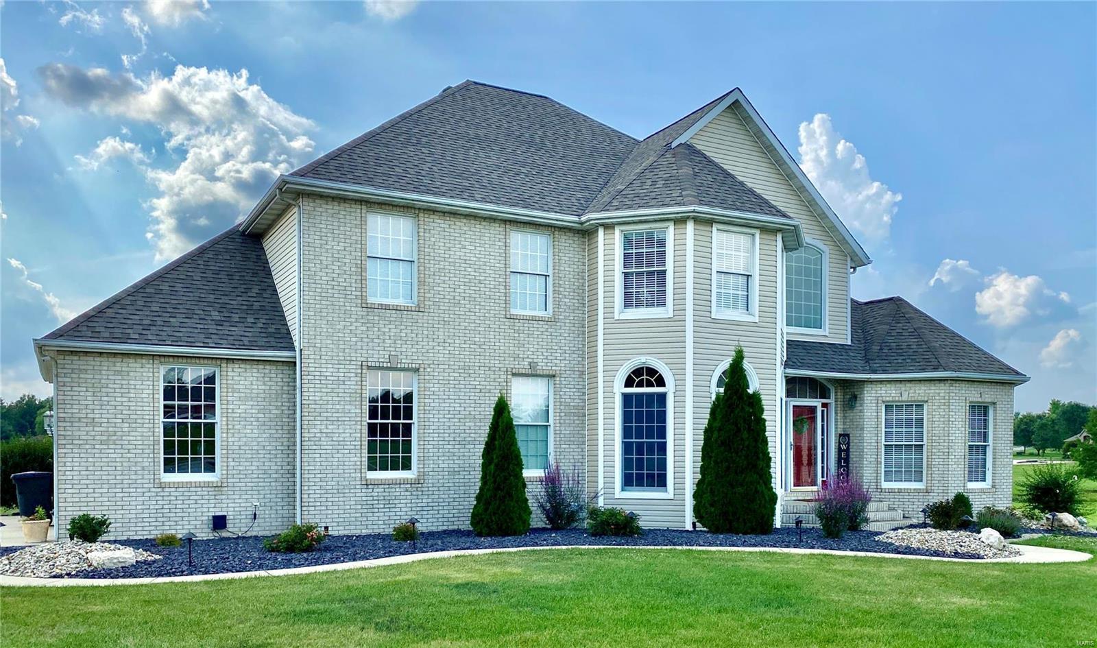 Aviston Real Estate Listings Main Image