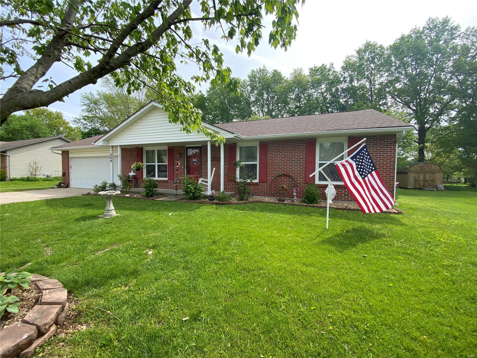 308 Meadowcrest Property Photo - Montgomery City, MO real estate listing