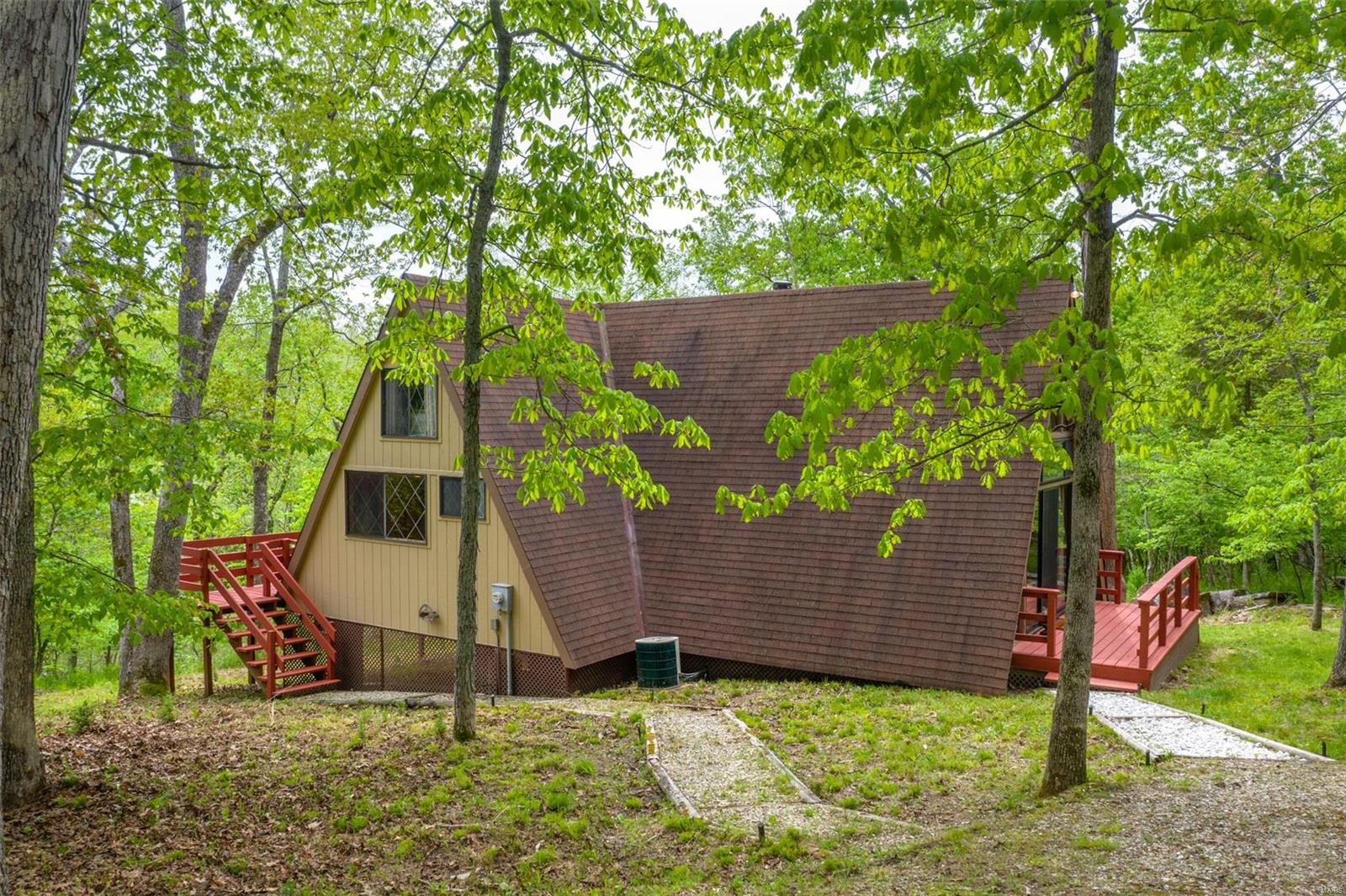 813 E Aspen Circle Drive Property Photo - Innsbrook, MO real estate listing