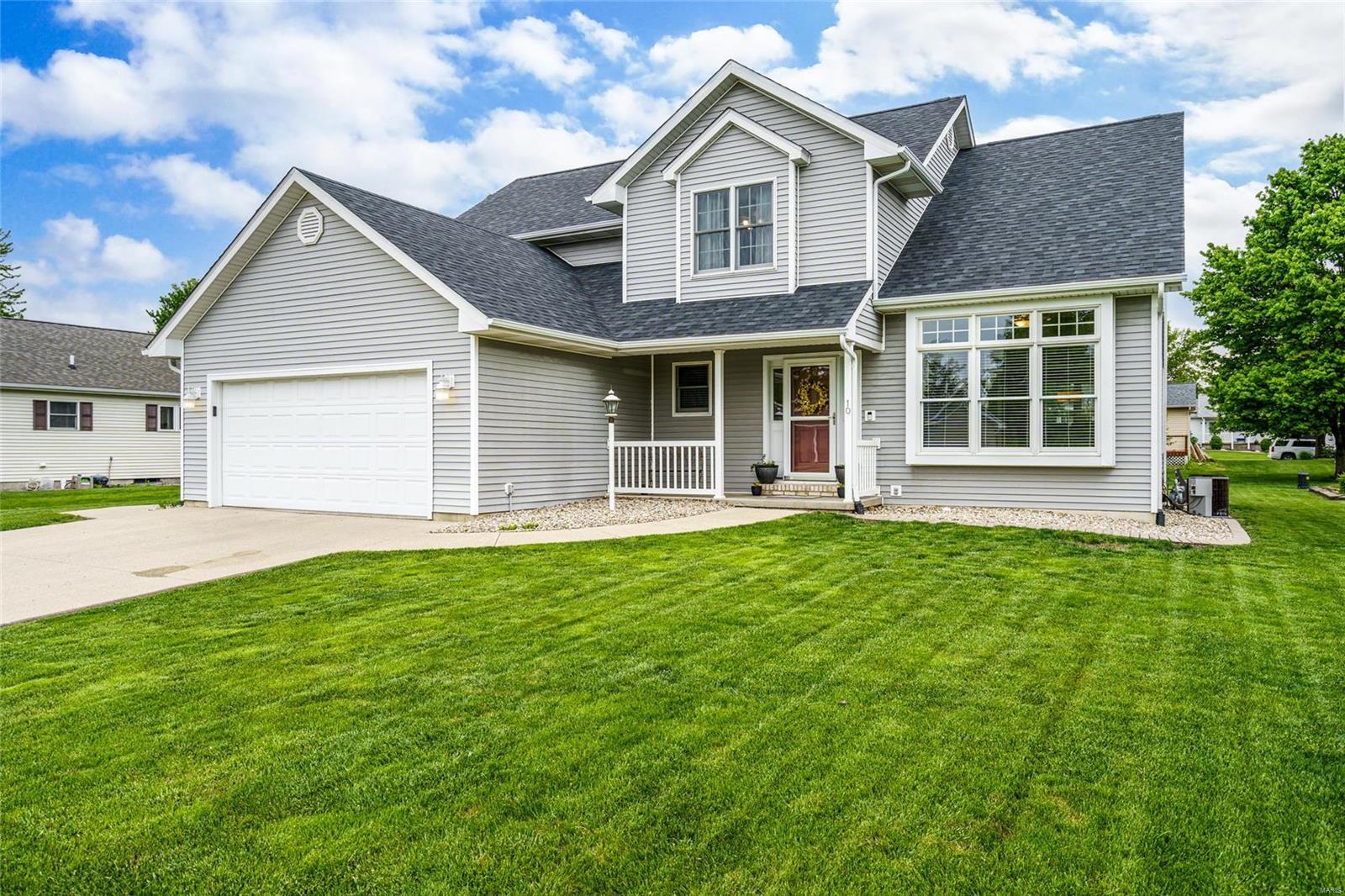 10 Fairground Avenue Property Photo - Litchfield, IL real estate listing