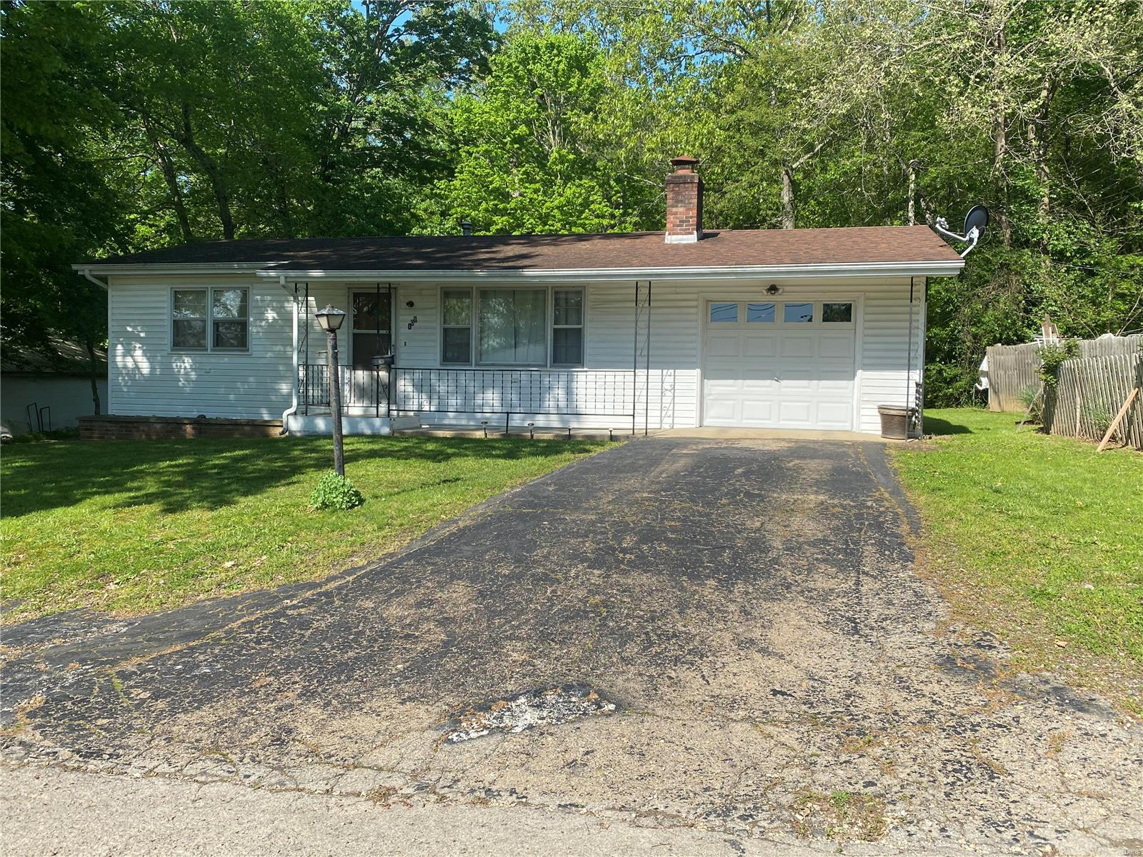 108 Mountain Street Property Photo - Ironton, MO real estate listing
