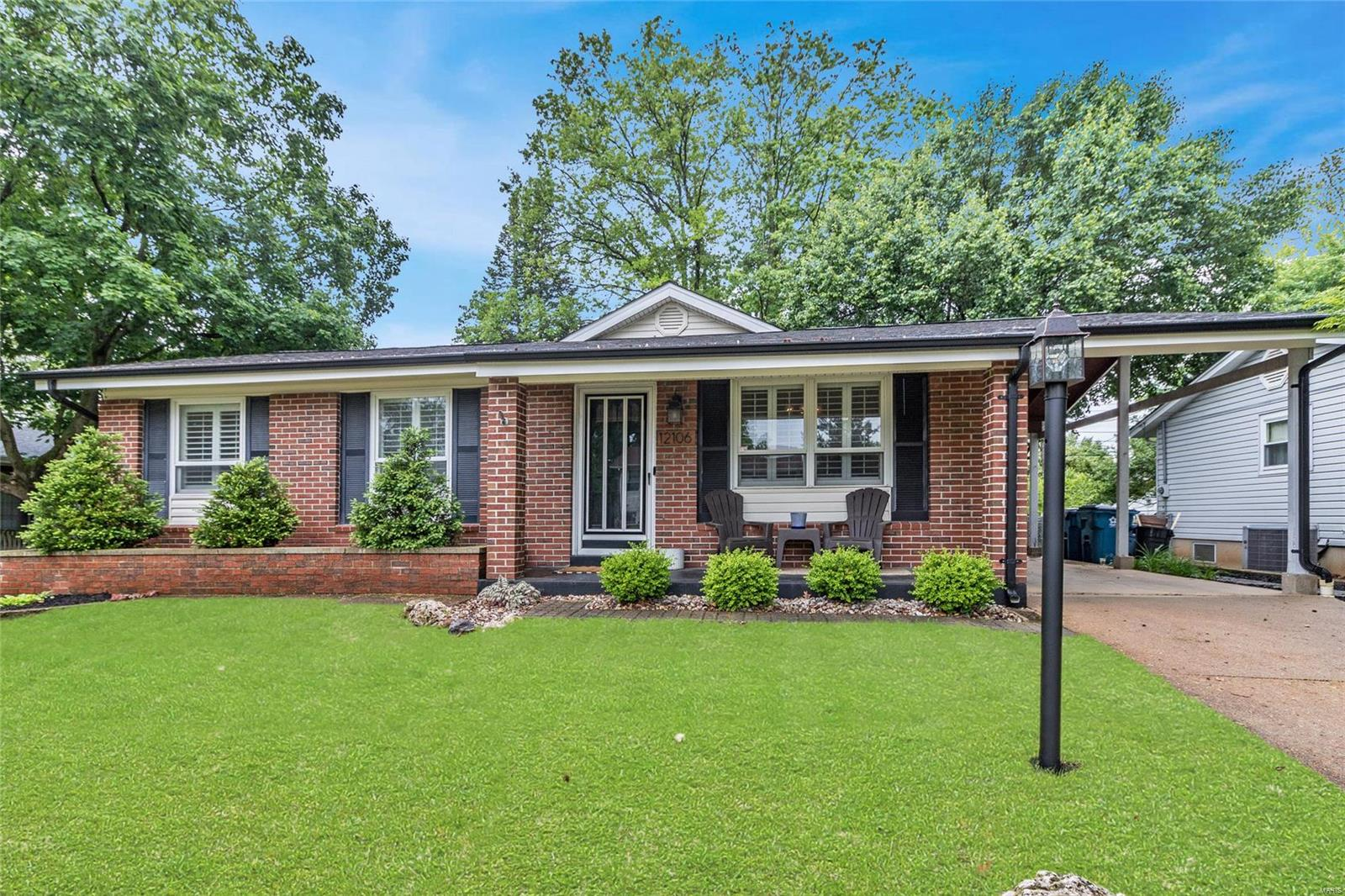 12106 Wesmeade Drive Property Photo - Maryland Heights, MO real estate listing