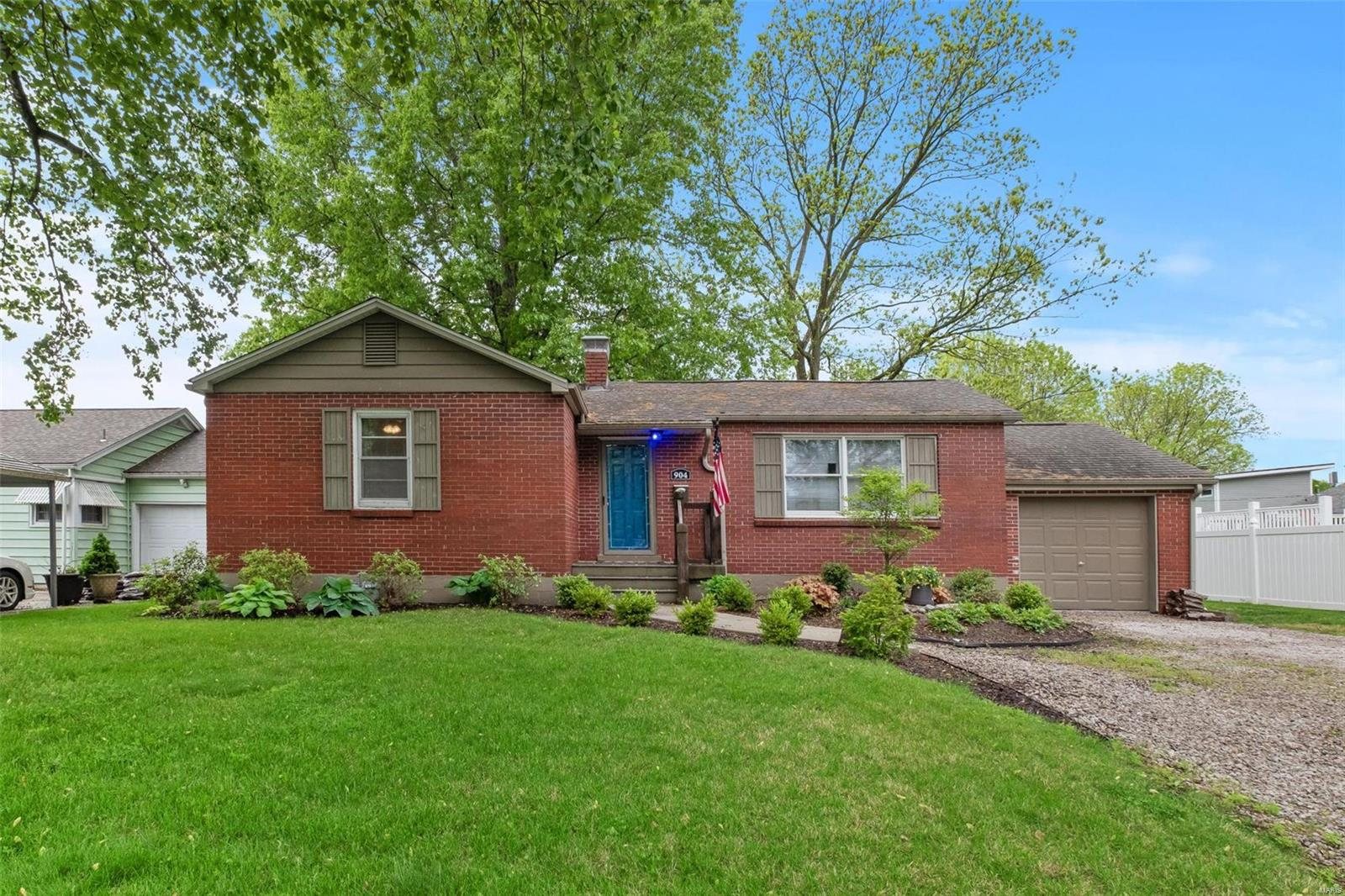 904 S Mill Street Property Photo - New Athens, IL real estate listing