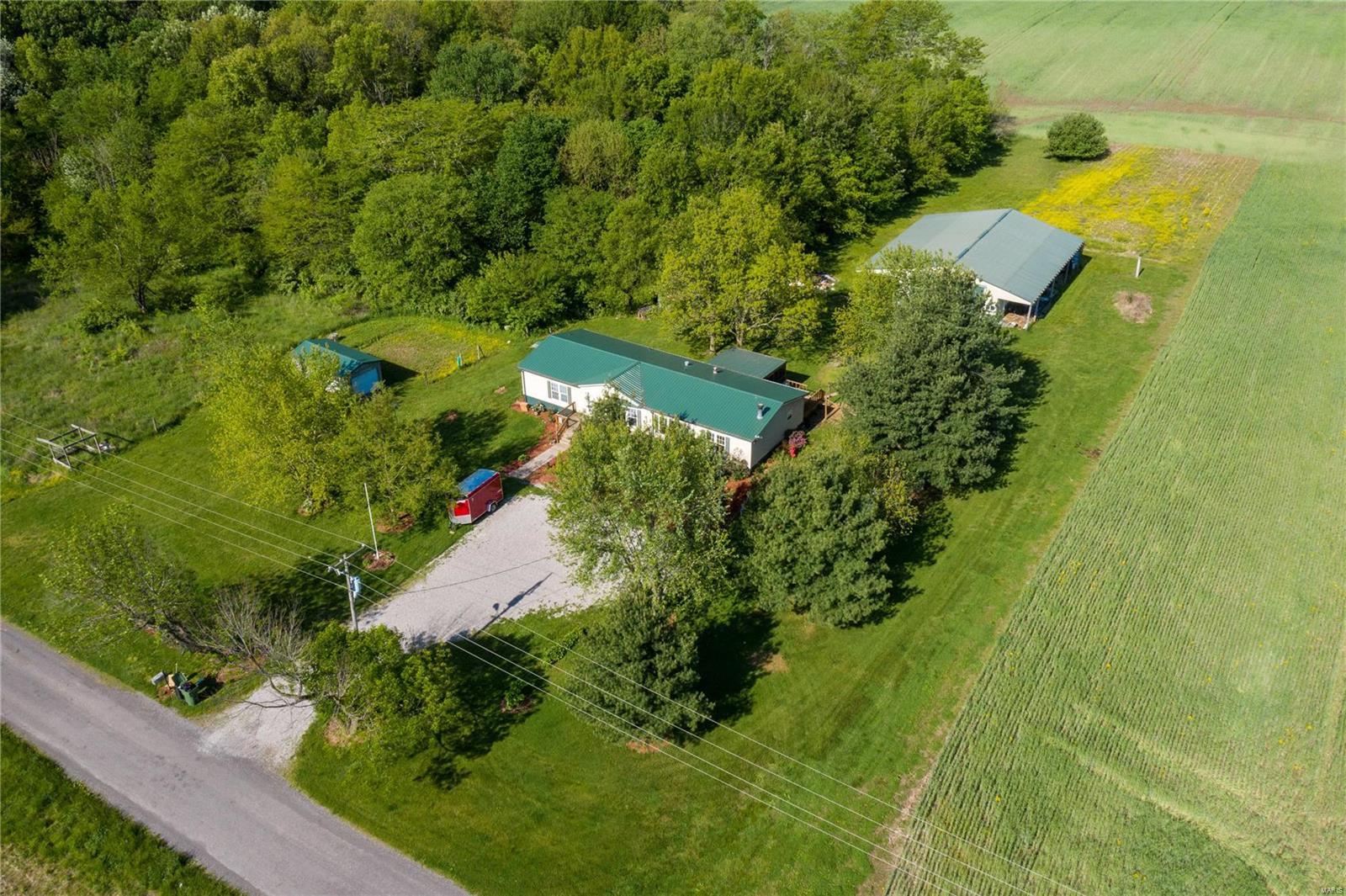 41 Washington Road Property Photo - Oakdale, IL real estate listing