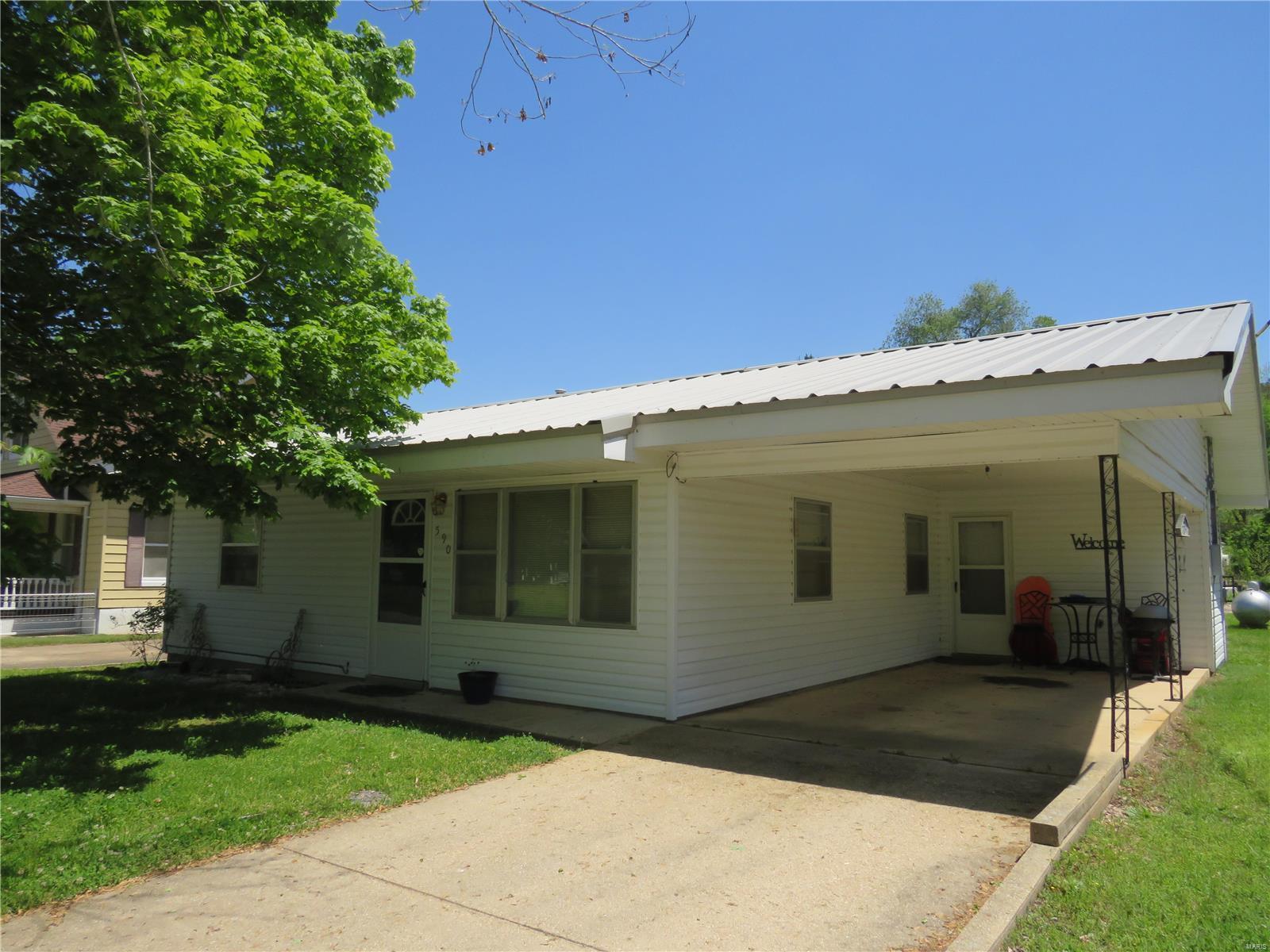 590 S Main Property Photo - Ellington, MO real estate listing