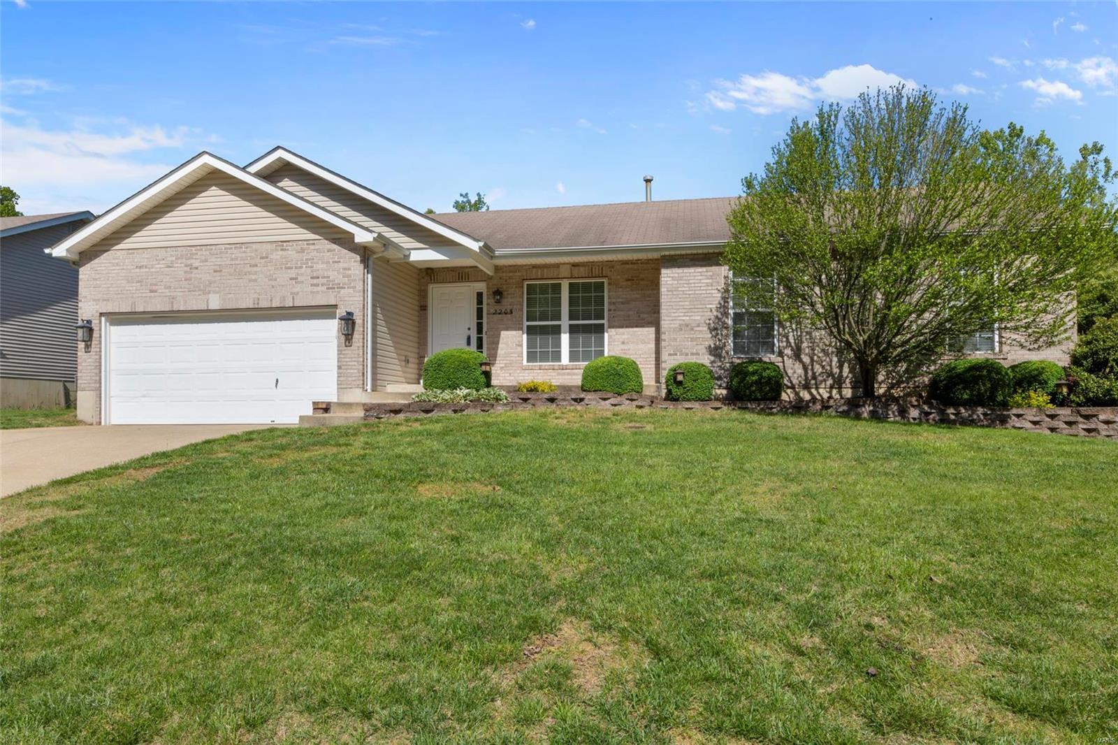 2205 Fairway Property Photo - High Ridge, MO real estate listing