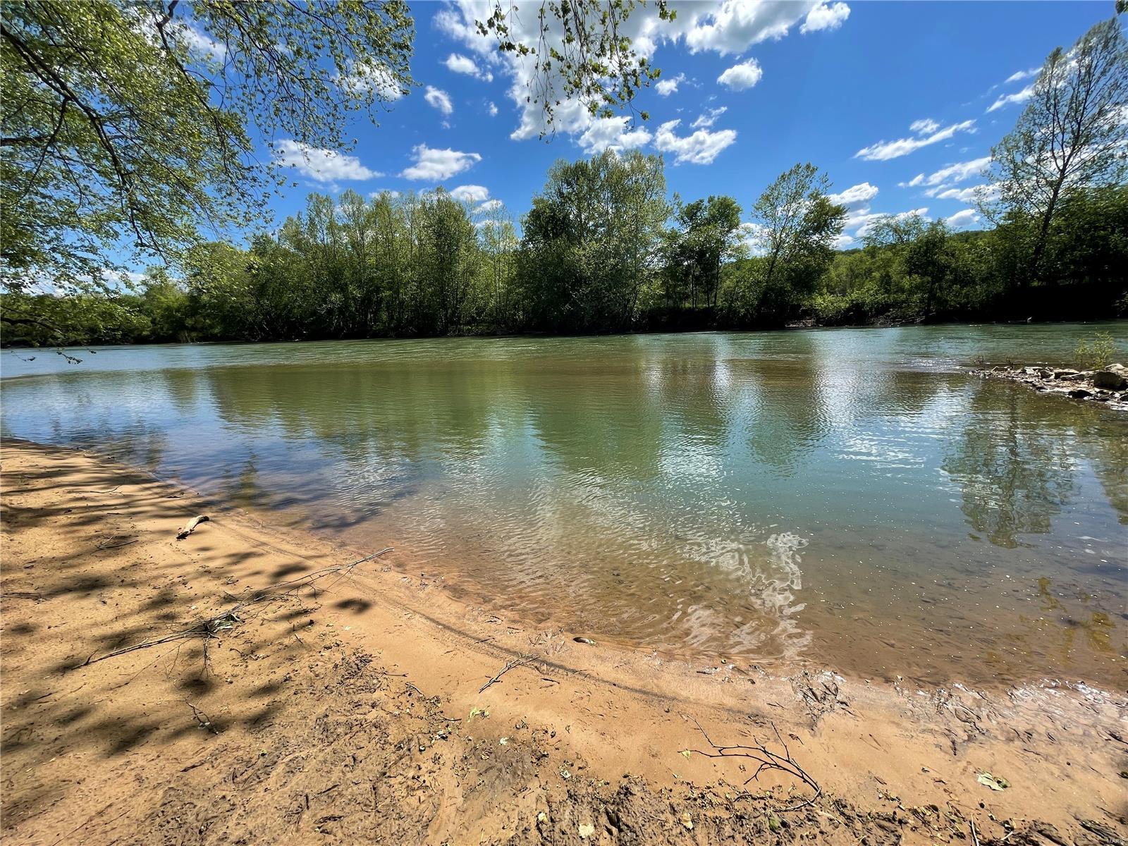 675 Meramec Shores Drive Property Photo 1