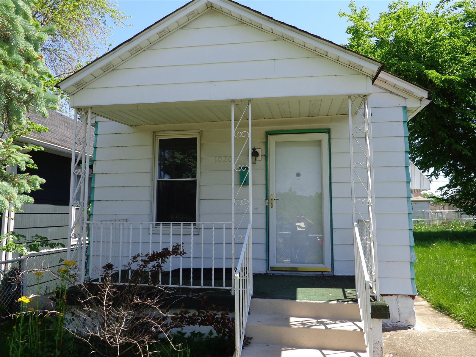 1020 State Street Property Photo - Madison, IL real estate listing
