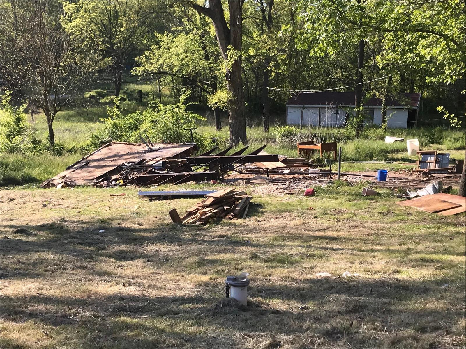 9829 Highway 100 Property Photo - New Haven, MO real estate listing