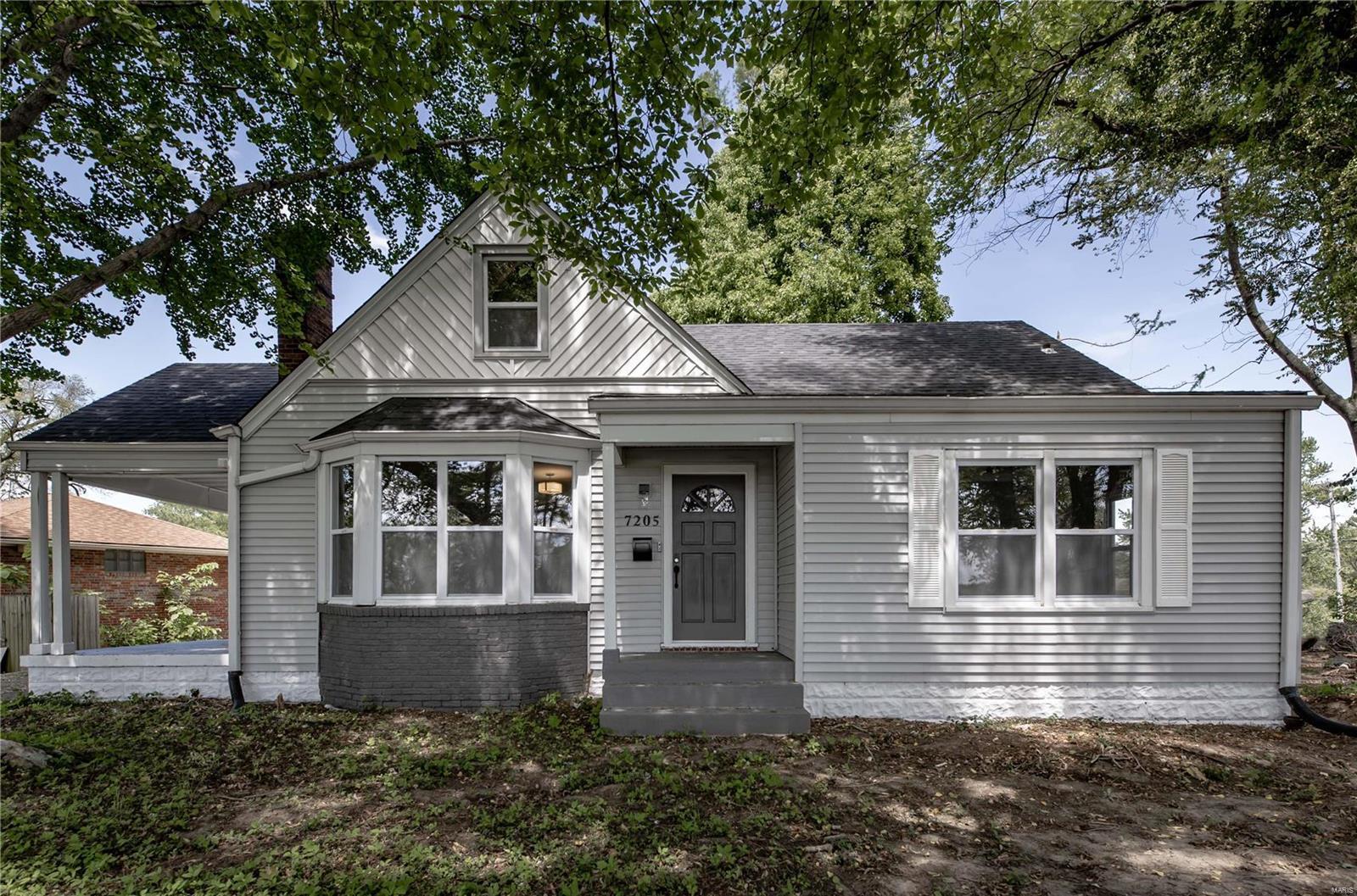 62205 Real Estate Listings Main Image