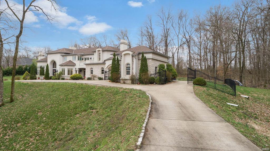 5651 Dalhousie Drive Property Photo 1