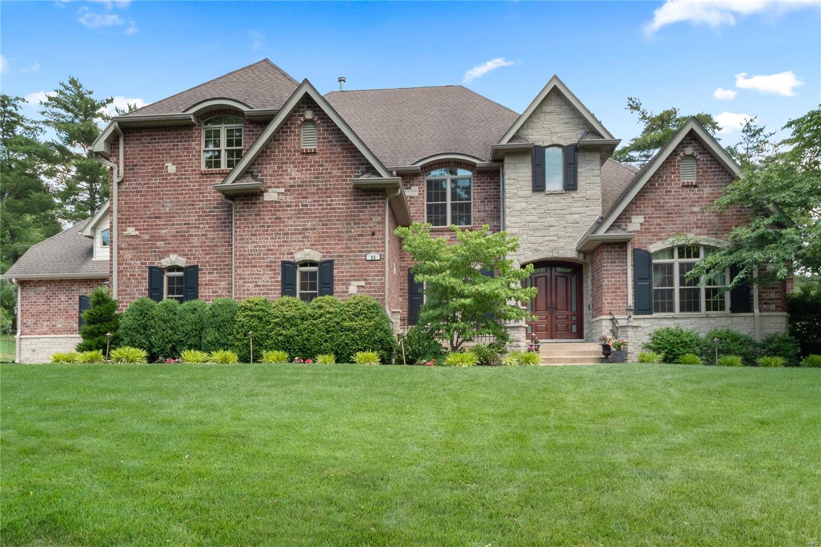 24 Williamsburg Estates Drive Property Photo 1